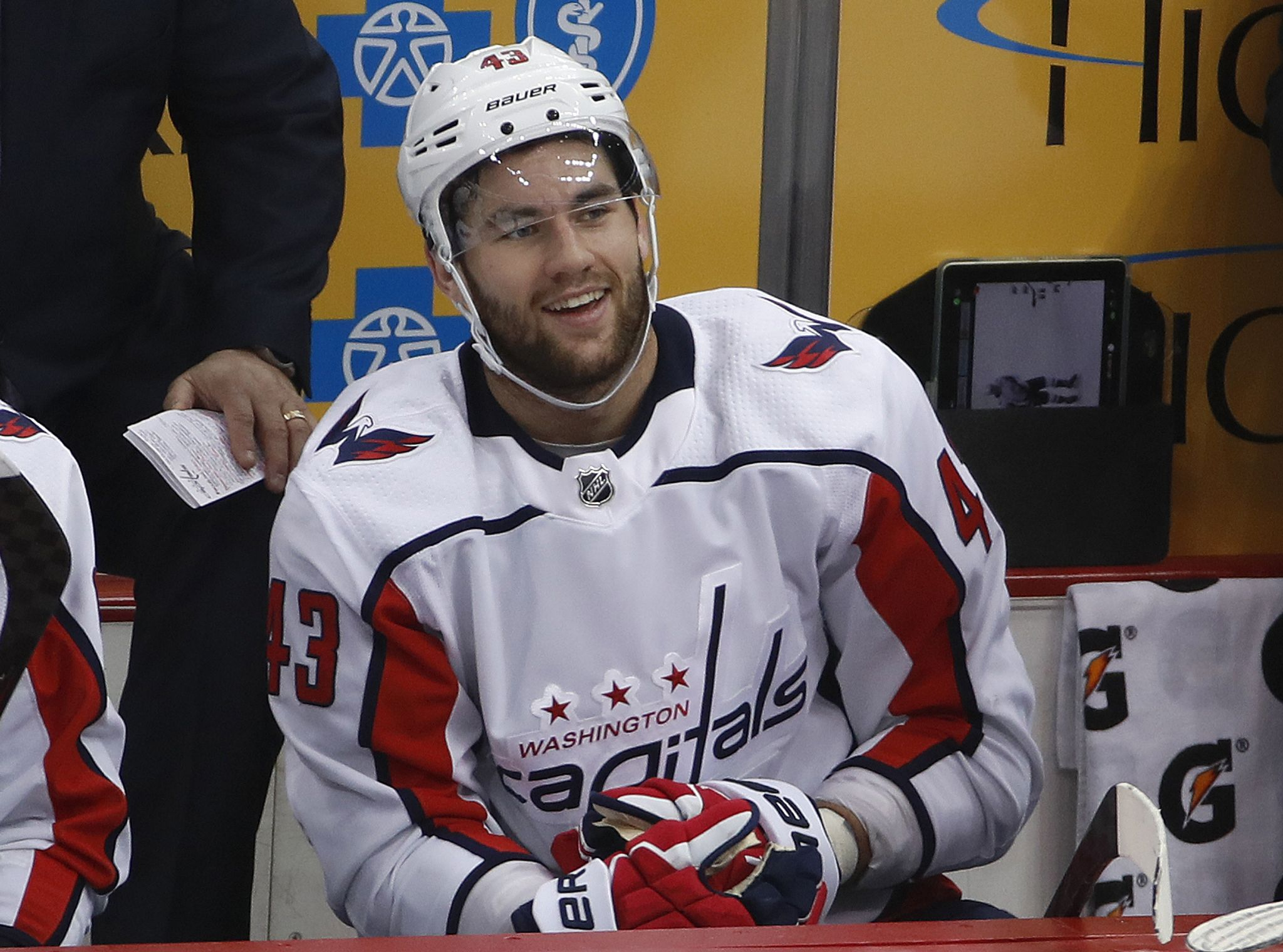 Capitals_penguins_hockey_04111.jpg-b9400_s2048x1520