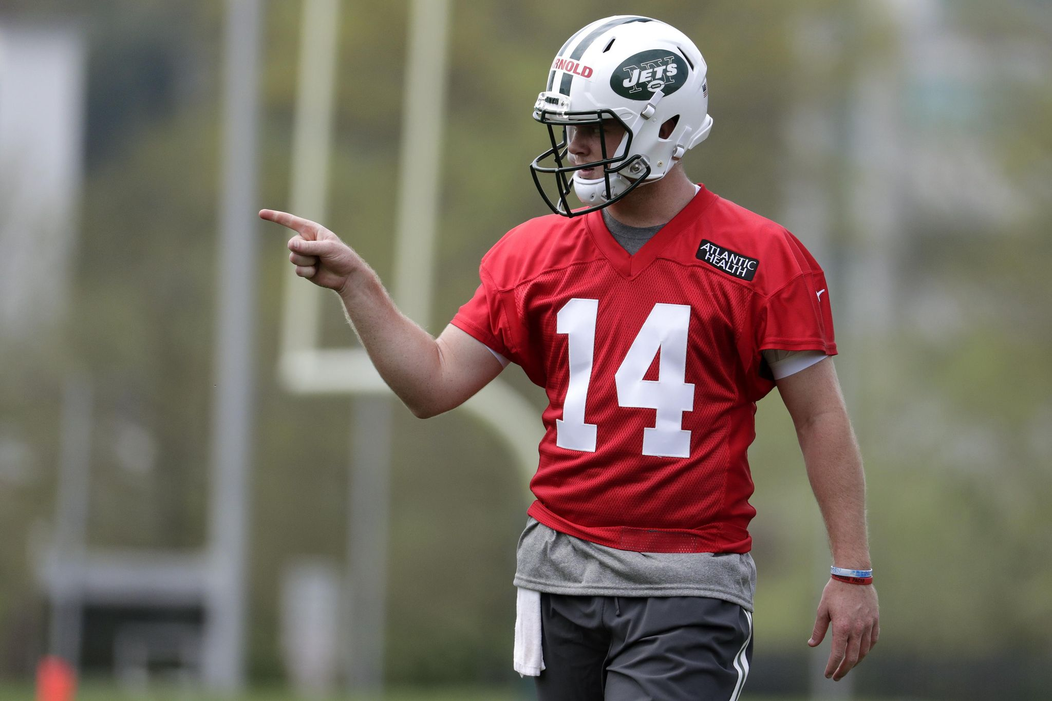 Jets_rookie_camp_football_21596_s2048x1365
