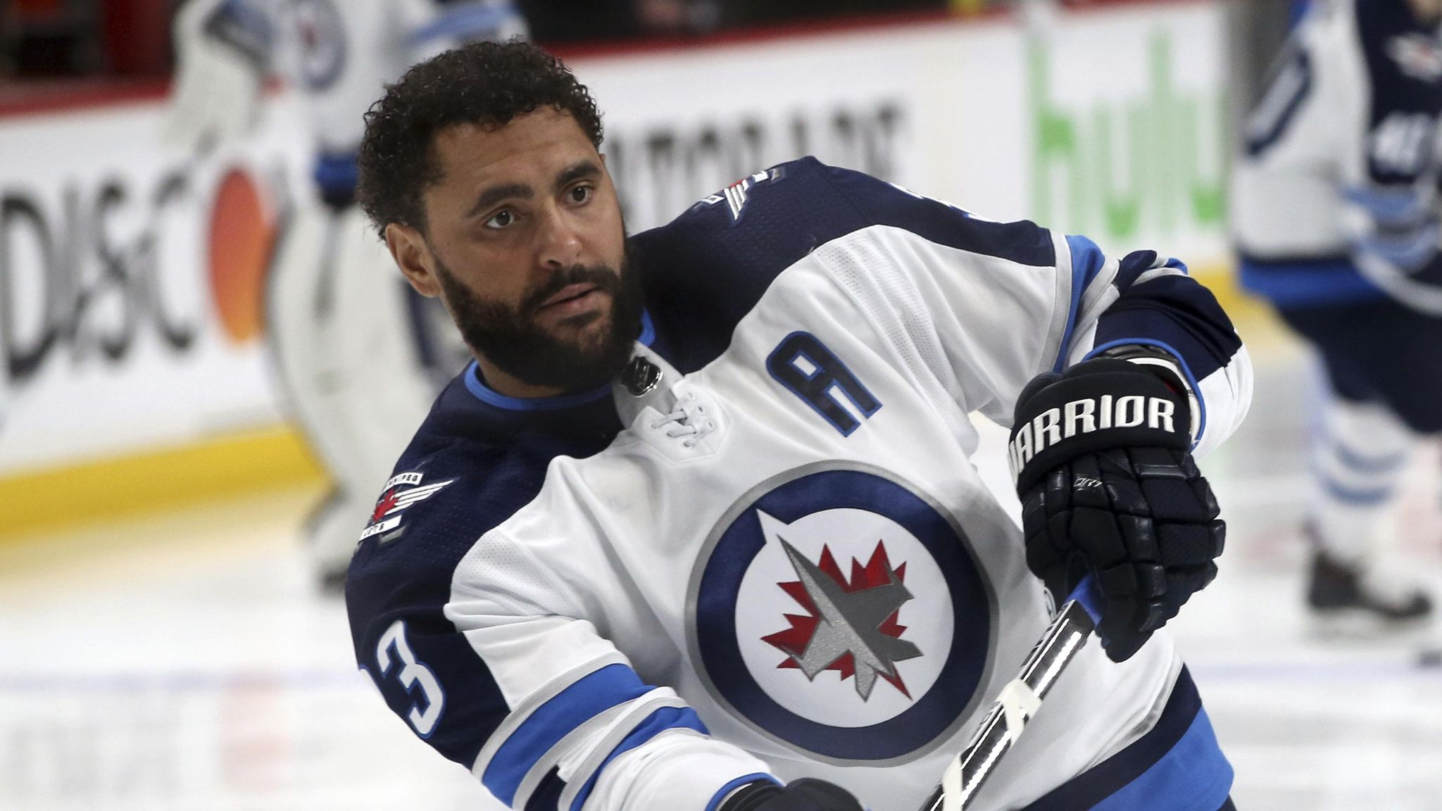Jets_big_buff_hockey_70952_s2048x1152