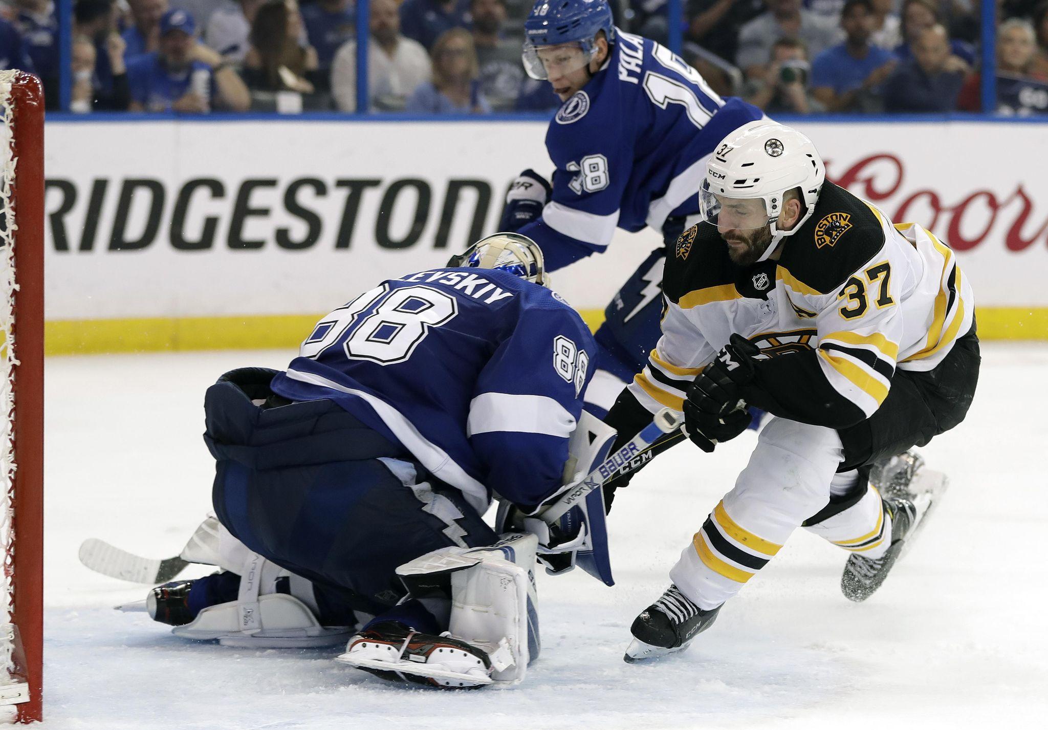 Bruins_lightning_hockey_31978_s2048x1426
