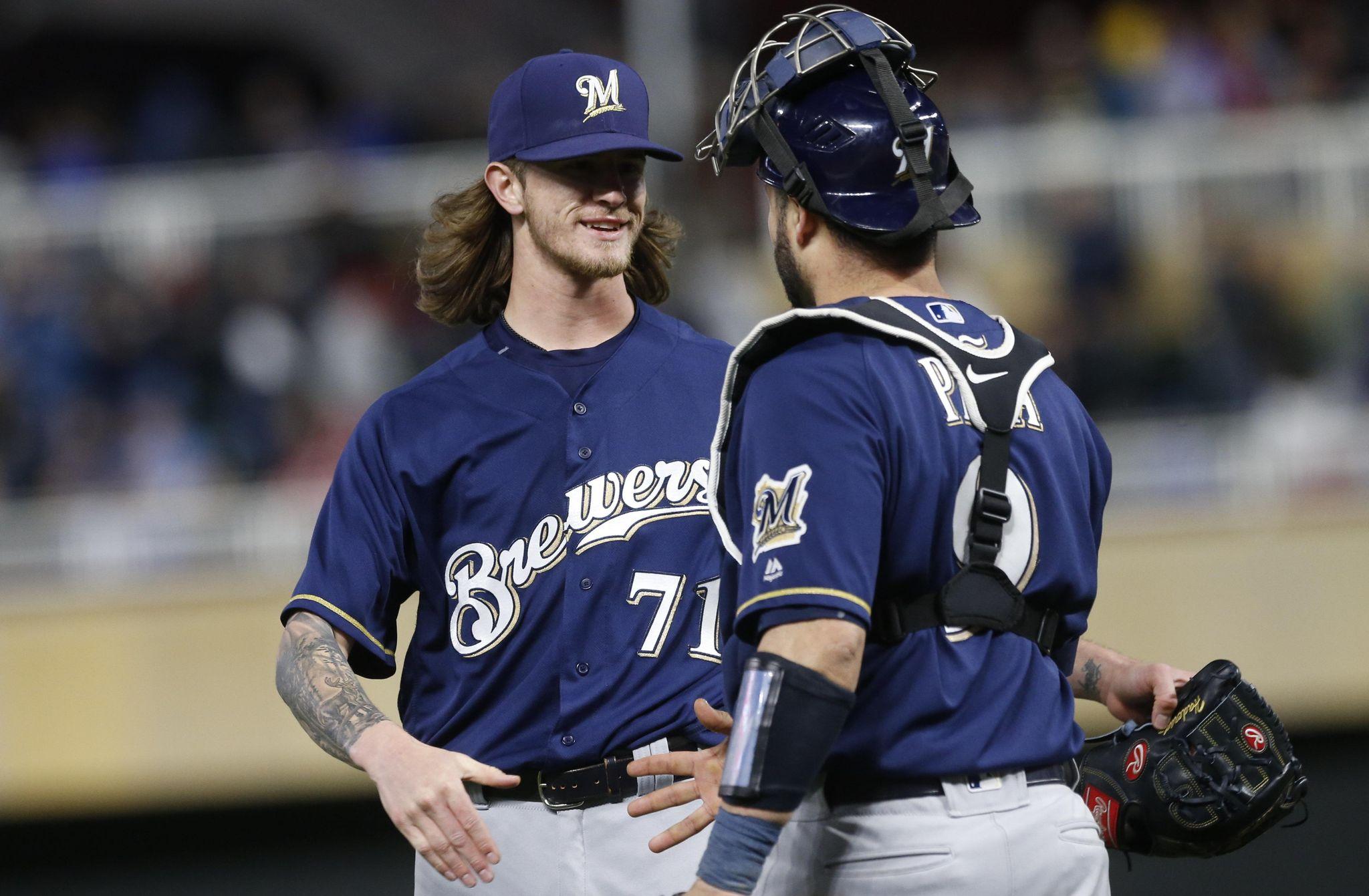 Brewers_twins_baseball_11293_s2048x1341