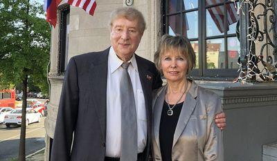 Russian physicist Dr. Edward Lozansky and his wife, Tatiana