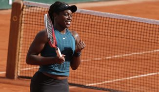 Sloane Stephens of the U.S. clenches her fist after defeating compatriot Madison Keys during in semifinal match of the French Open tennis tournament at the Roland Garros stadium, Thursday, June 7, 2018 in Paris. (AP Photo/Michel Euler)