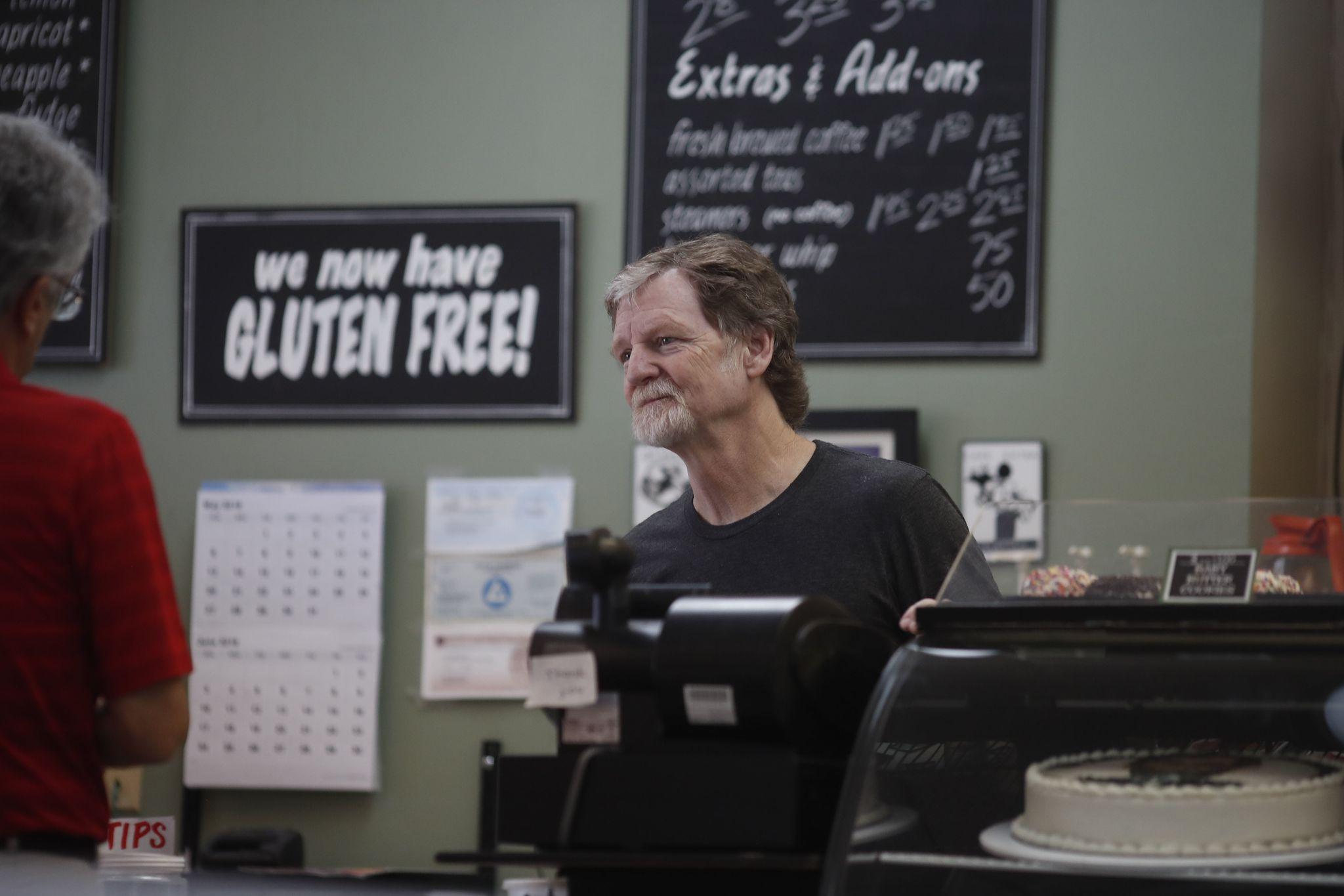 Colorado baker slammed with hostile reviews, protests after Supreme Court victory