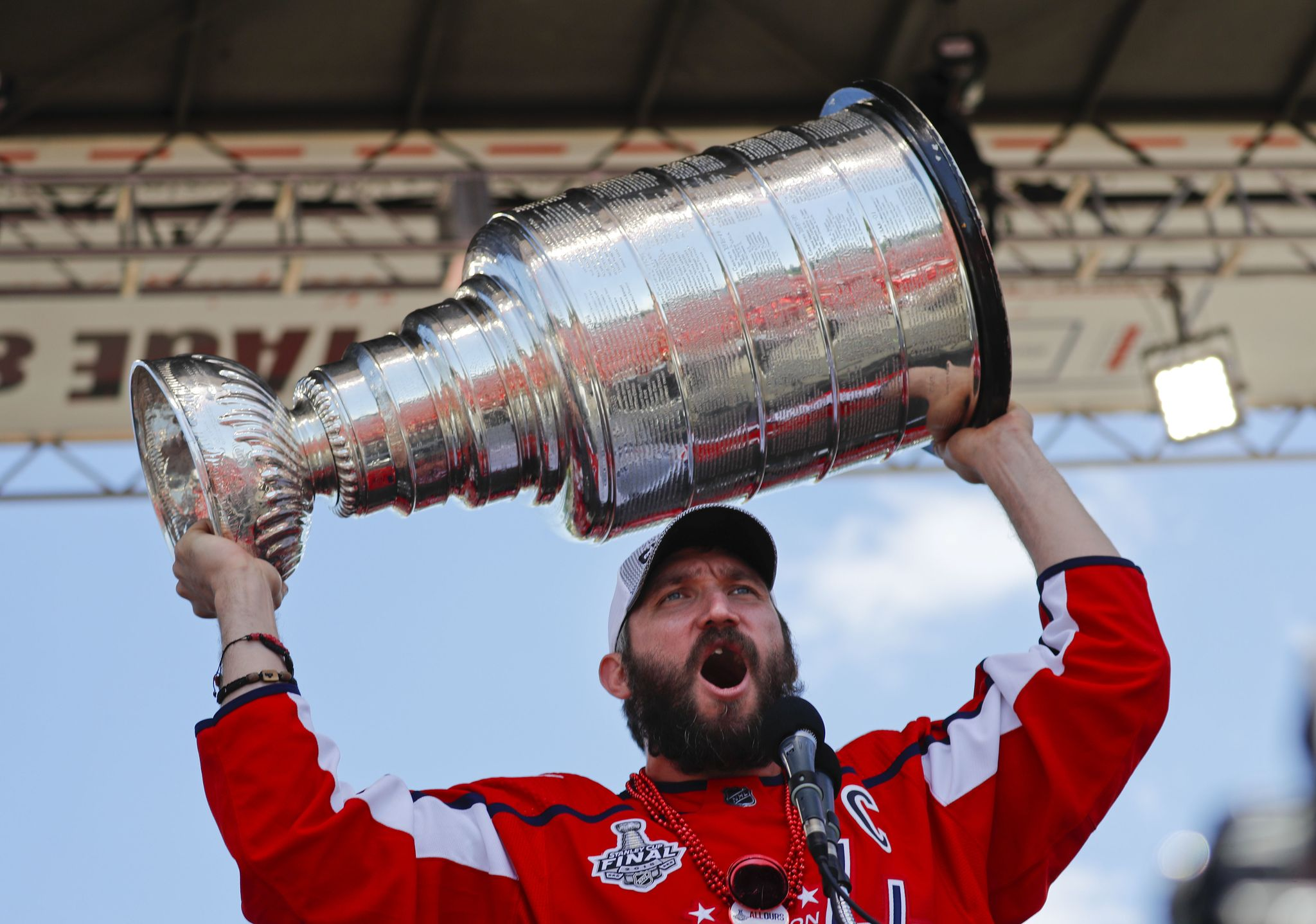 Capitals_stanley_cup_celebration_hockey_73028.jpg-4a276_s2048x1438