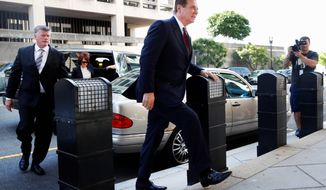 Paul Manafort arrives at federal court, Friday, June 15, 2018, in Washington. (AP Photo/Jacquelyn Martin)