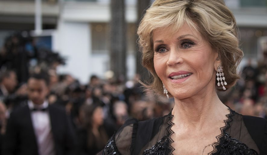 Actress Jane Fonda poses for photographers upon arrival at the premiere of the film 'Sink or Swim' at the 71st international film festival, Cannes, southern France, Sunday, May 13, 2018. (Photo by Vianney Le Caer/Invision/AP)
