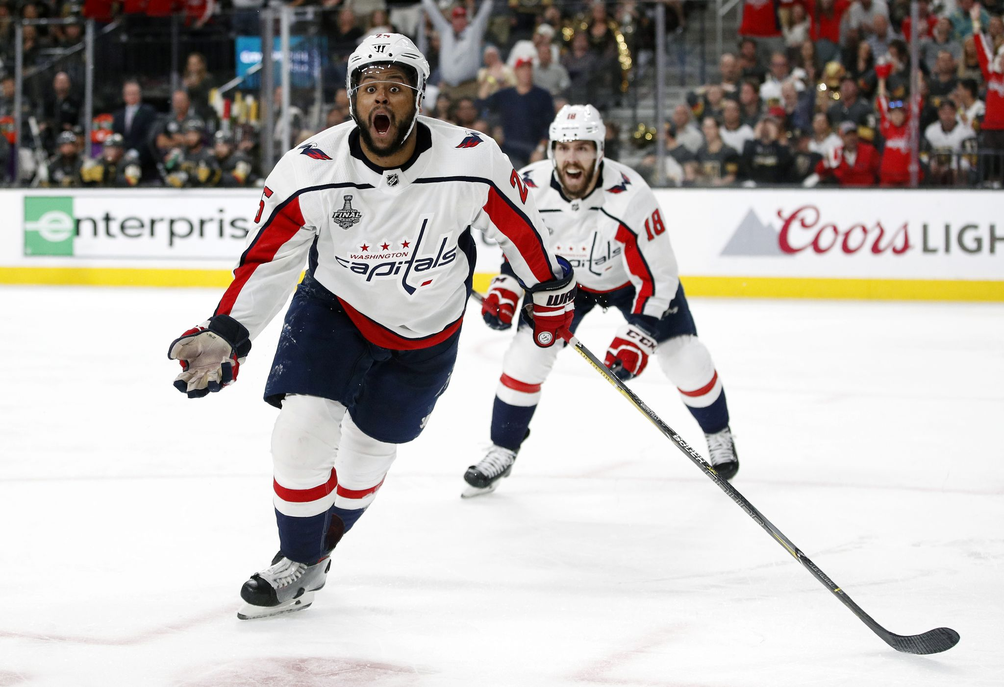 Devante Smith-Pelly clears waivers, remains in Capitals organization