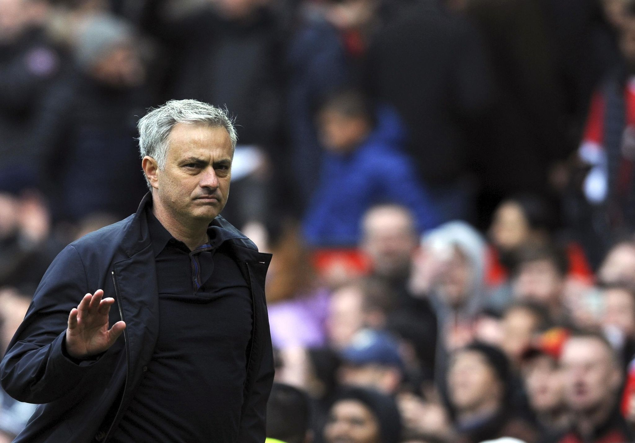 Britain_soccer_man_united_mourinho_80200_s2048x1431