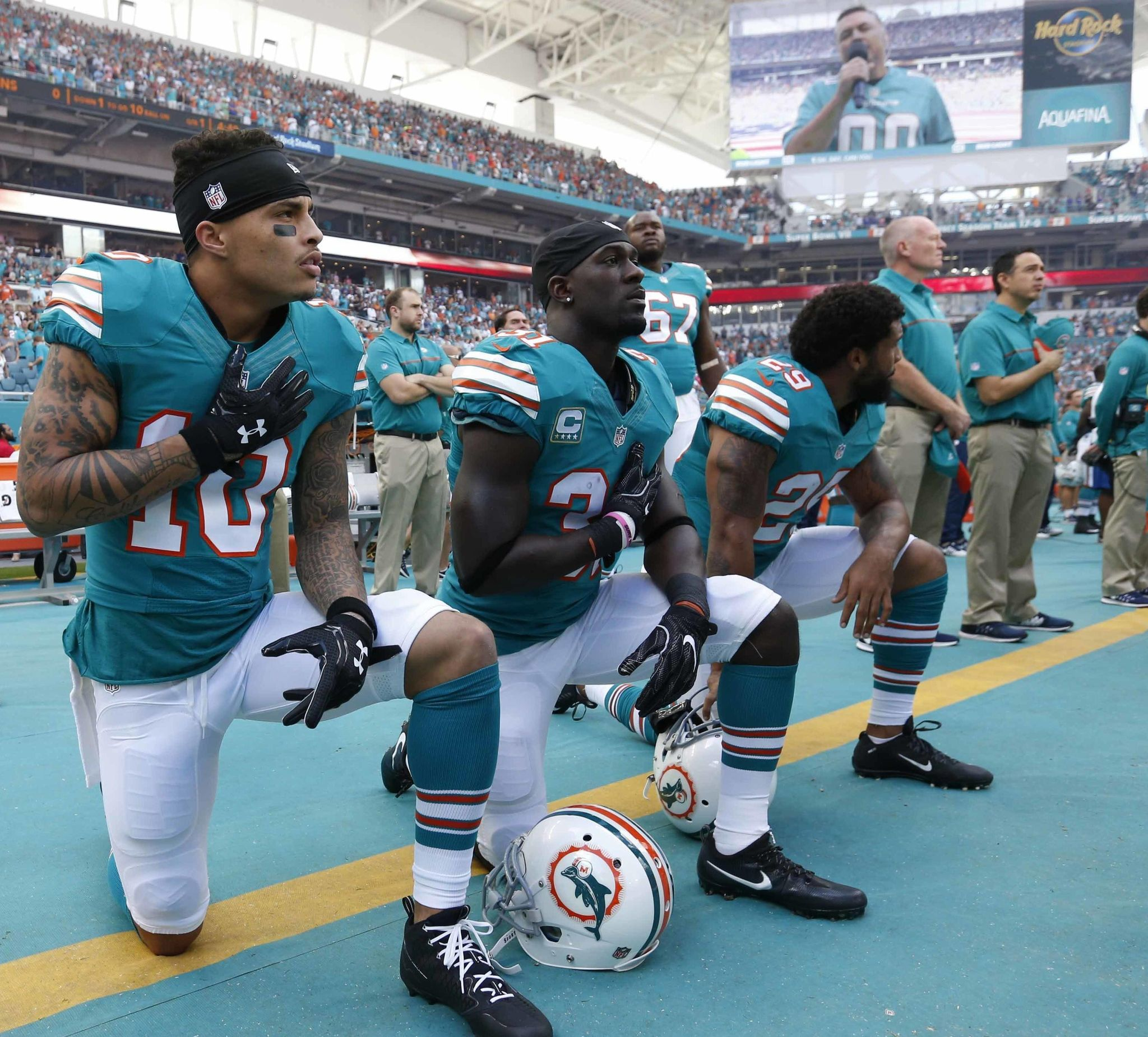 Anthem_policy-dolphins_football_44725_s2048x1851