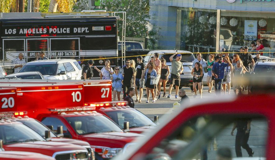 Trader Joe S Standoff Ends With Gunman S Arrest One Dead Dozens Of