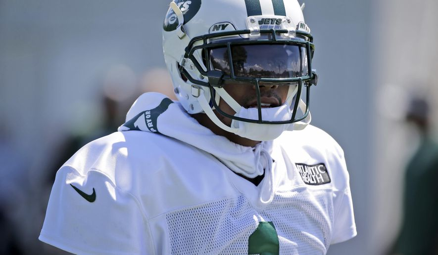 New York Jets' Terrelle Pryor participates during practice at the NFL football team's training camp in Florham Park, N.J., Wednesday, Aug. 1, 2018. (AP Photo/Seth Wenig)