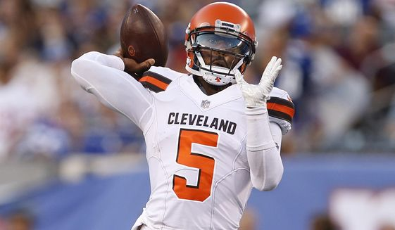 Cleveland Browns quarterback Tyrod Taylor (5) throws a pass during the first half of a preseason NFL football game against the New York Giants, Thursday, Aug. 9, 2018, in East Rutherford, N.J. (AP Photo/Adam Hunger)