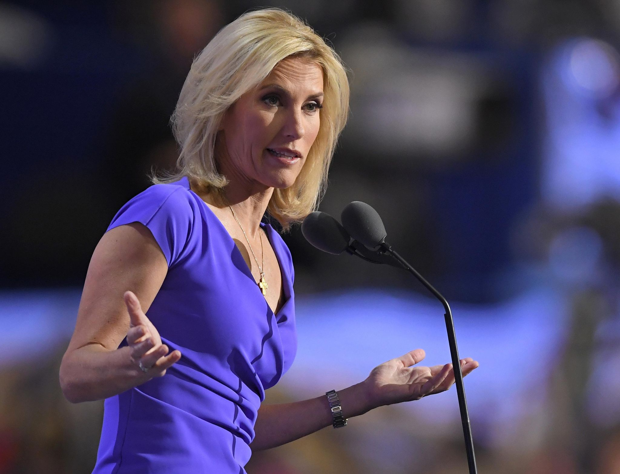Laura Ingraham compares Confederate statue protesters to ISIS