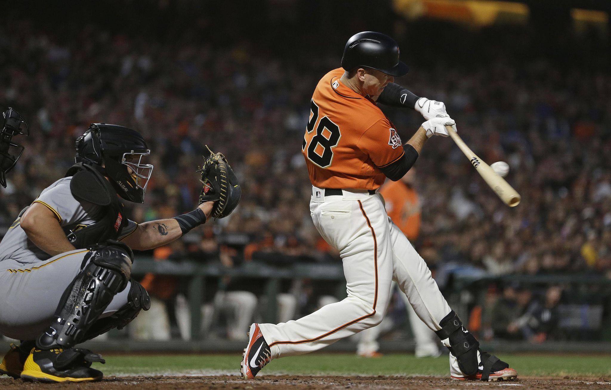 Pirates_giants_baseball_27161_s2048x1308