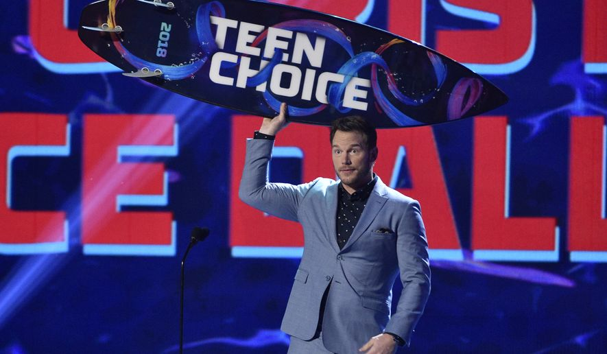 """Chris Pratt accepts the award for choice summer movie actor for """"Jurassic World: Fallen Kingdom"""" at the Teen Choice Awards at The Forum on Sunday, Aug. 12, 2018, in Inglewood, Calif. (Photo by Chris Pizzello/Invision/AP)"""