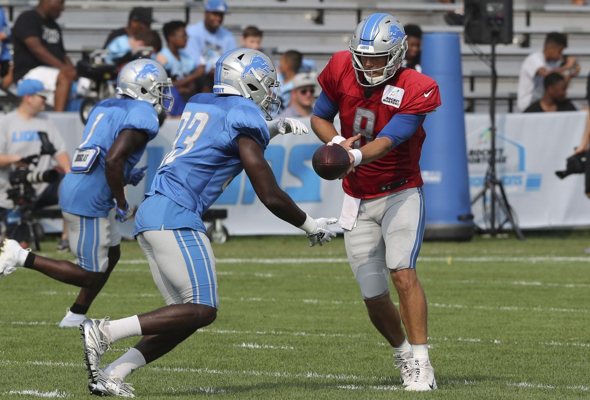 Lions_camp_football_07642_s2048x1387