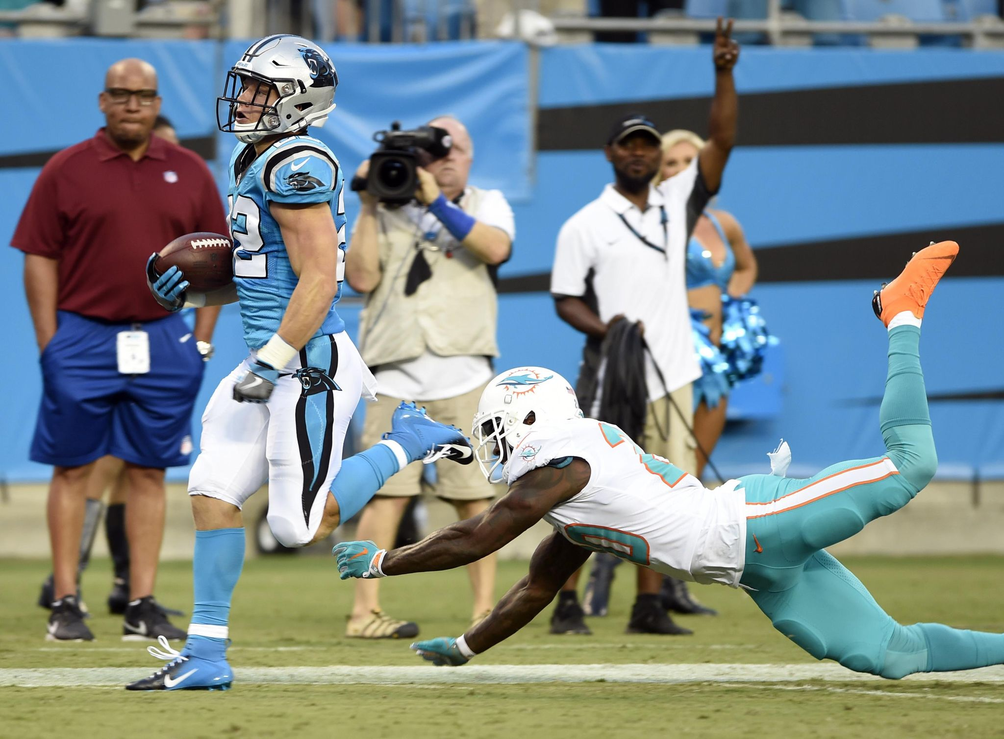 Dolphins_panthers_football_90899_s2048x1509