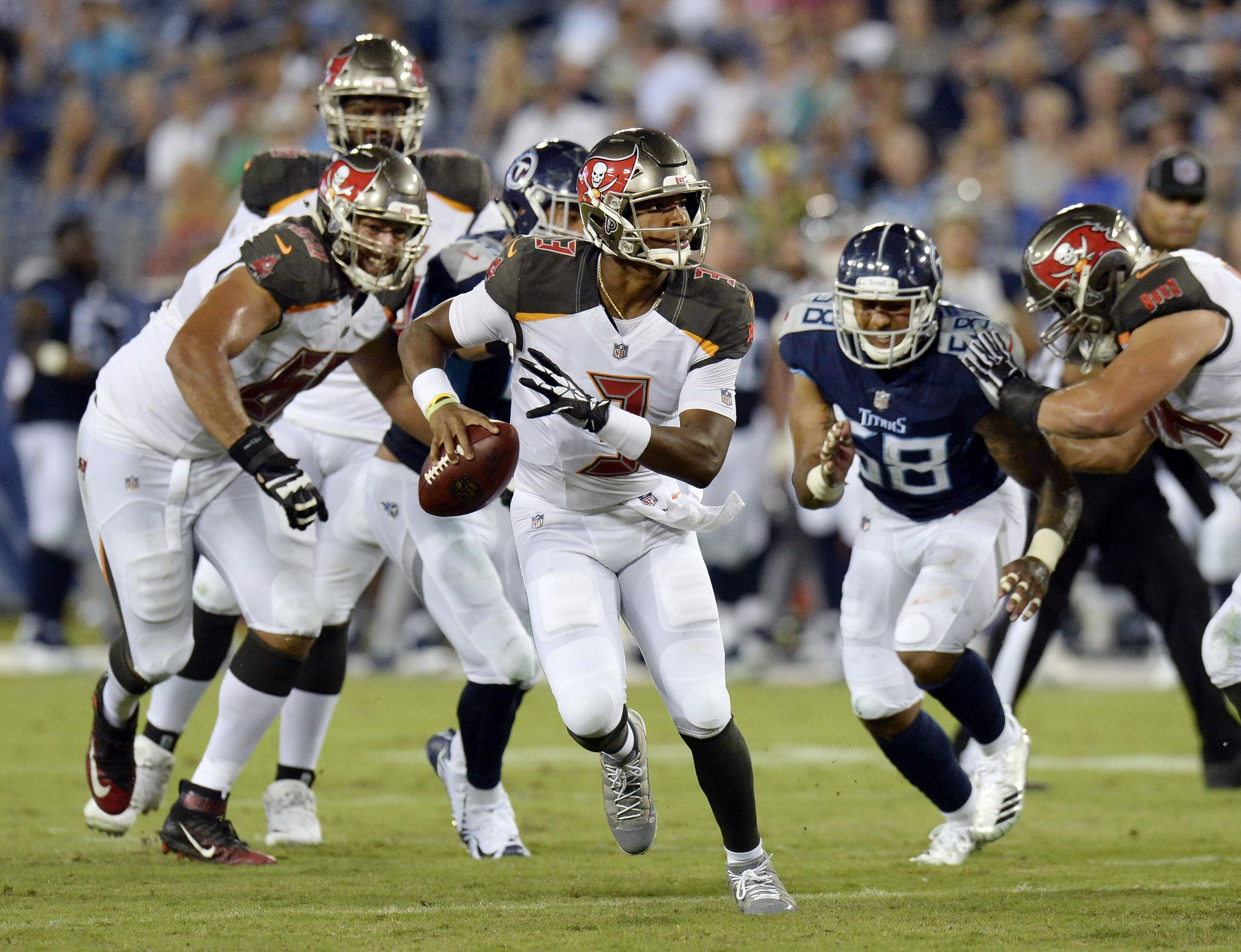Buccaneers_titans_football_52341_s2048x1573