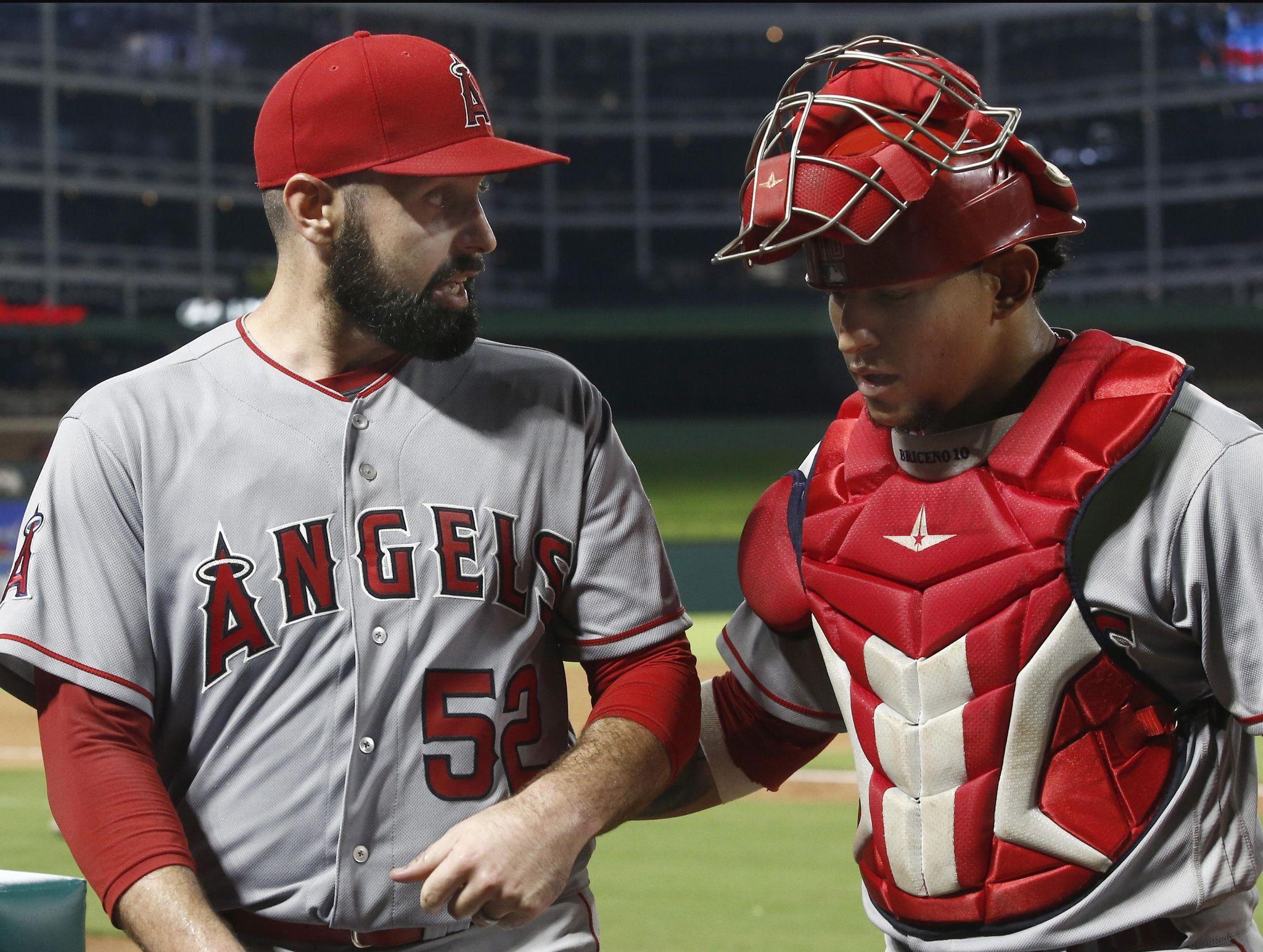 Angels_rangers_baseball_54444_s2048x1544