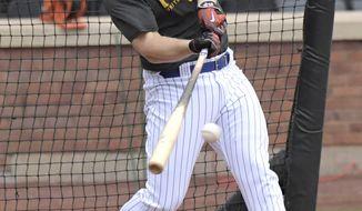 New York Mets' David Wright bats during a simulated baseball game Saturday, Sept. 8, 2018, in New York. (AP Photo/Bill Kostroun)