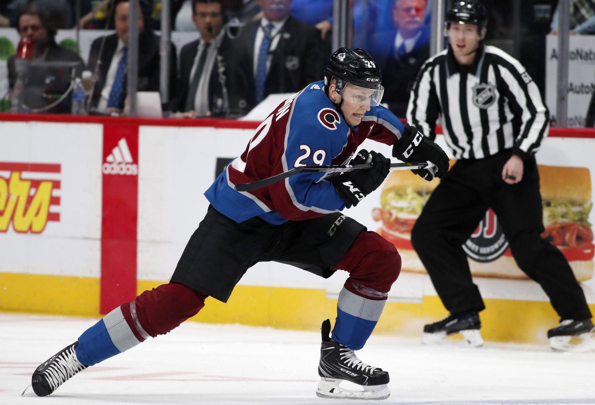 Avalanche_camp_hockey_06070_s2048x1393