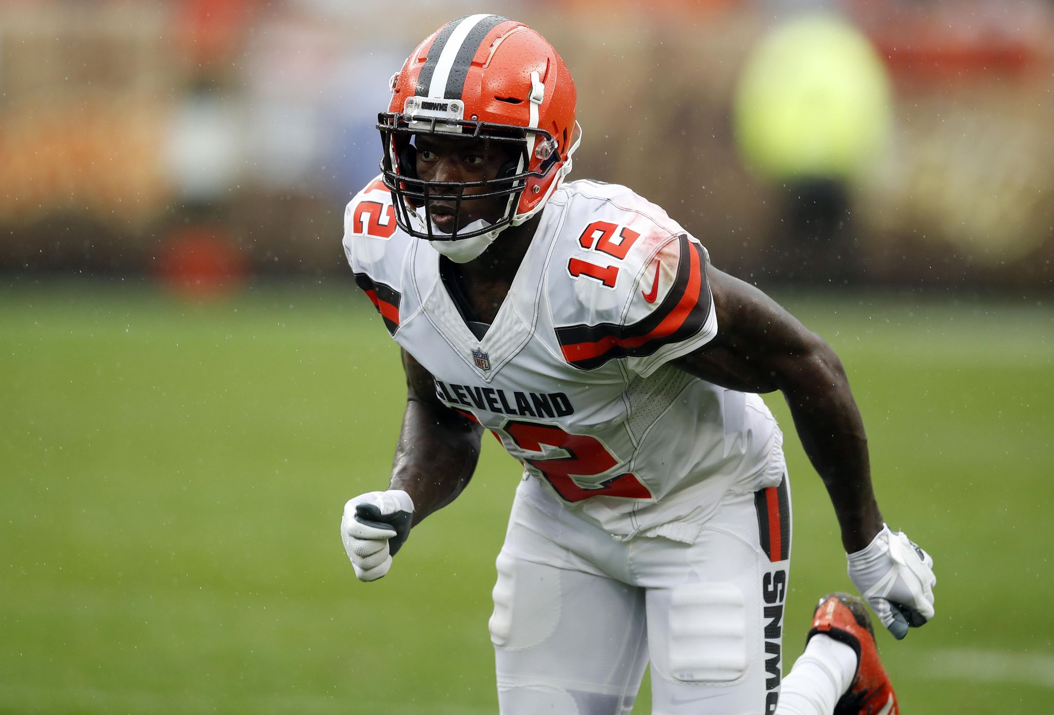 Browns-gordon_out_football_86780_s2048x1390