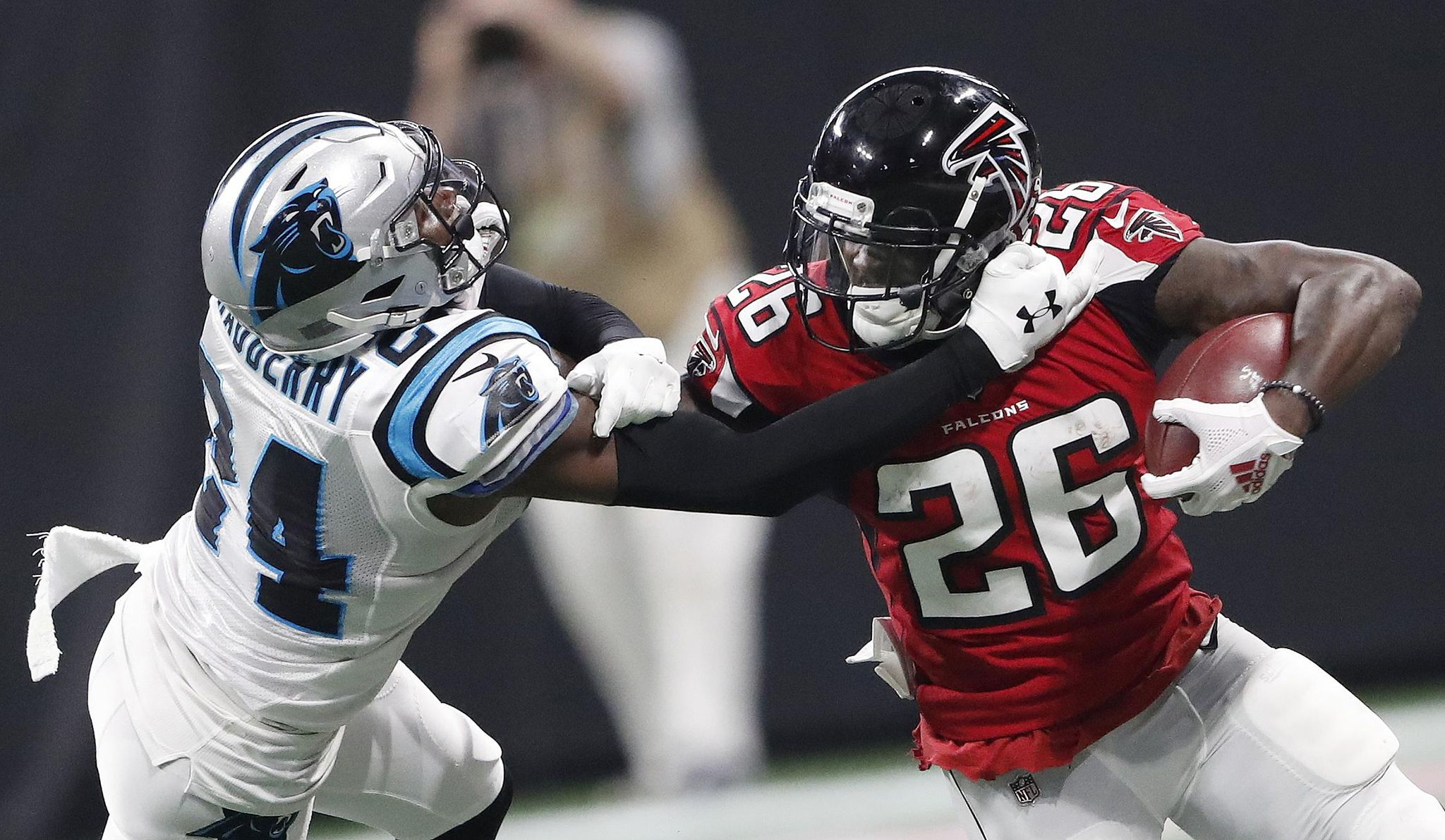 Panthers_falcons_football_55365_s2048x1192