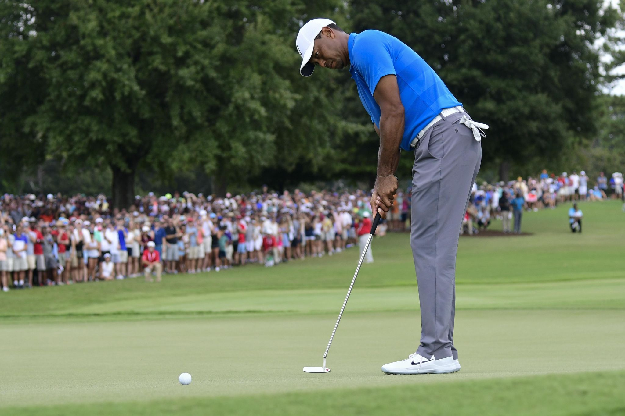 The Latest: Woods headed for victory, Rose headed for Cup - Washington Times