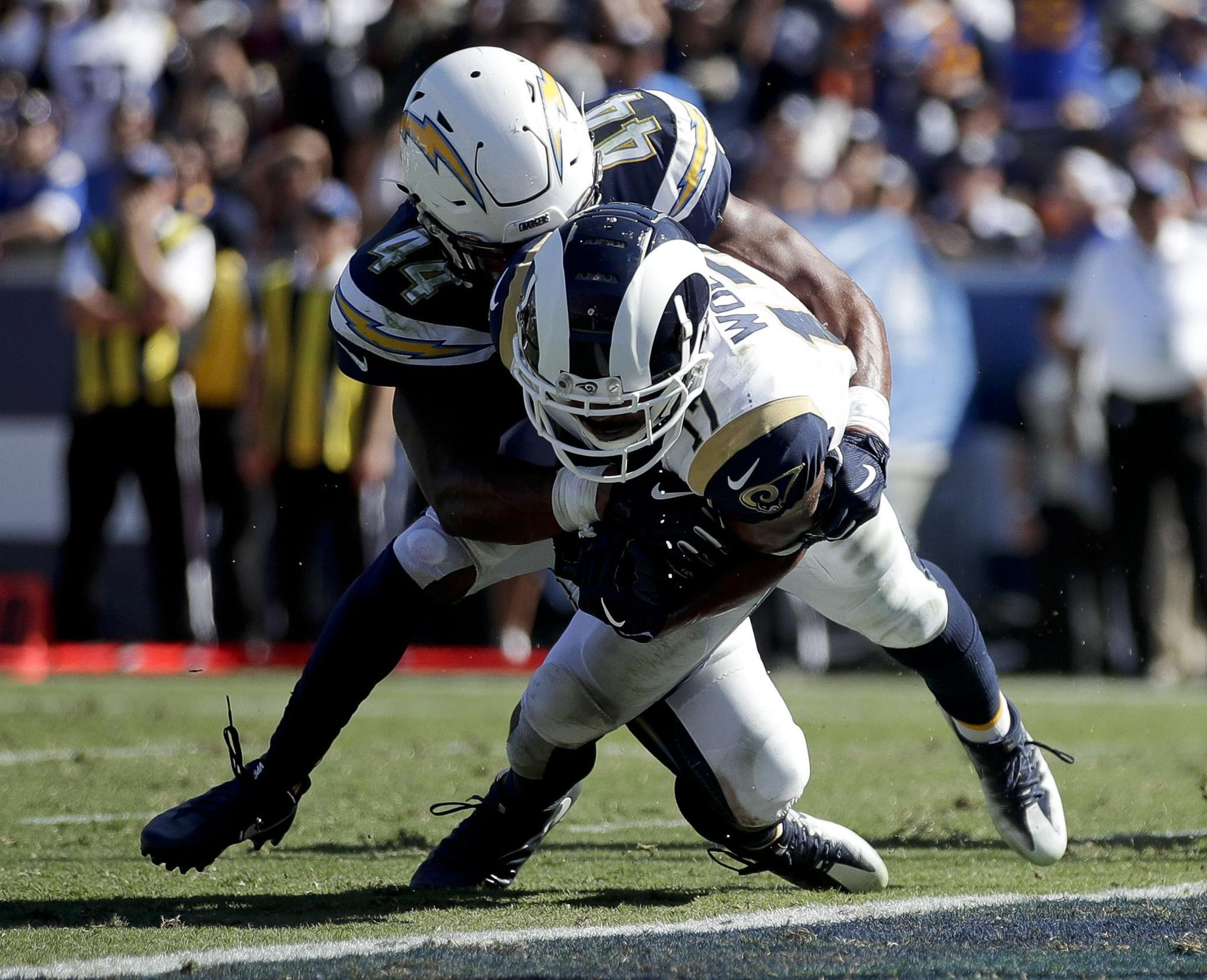 Chargers' defense laments lack of pass rush in loss to Rams - Washington Times