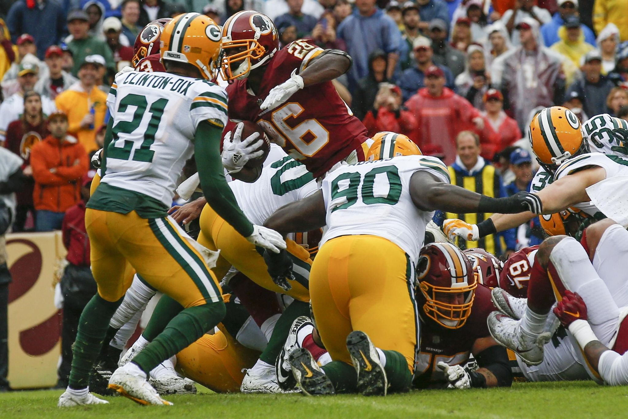 Packers_redskins_football_64421_s2048x1366