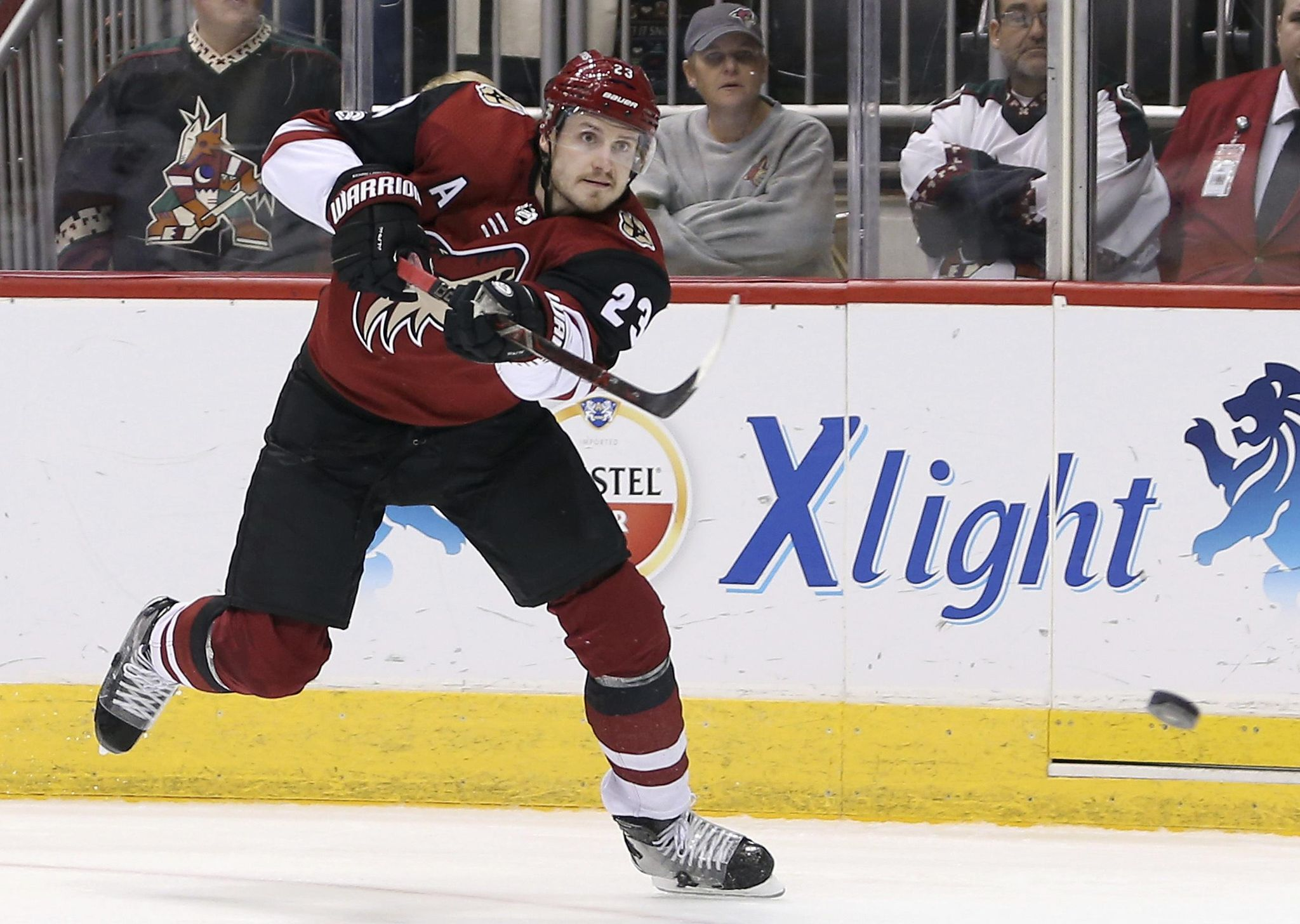 Coyotes_preview_hockey_00643_s2048x1456