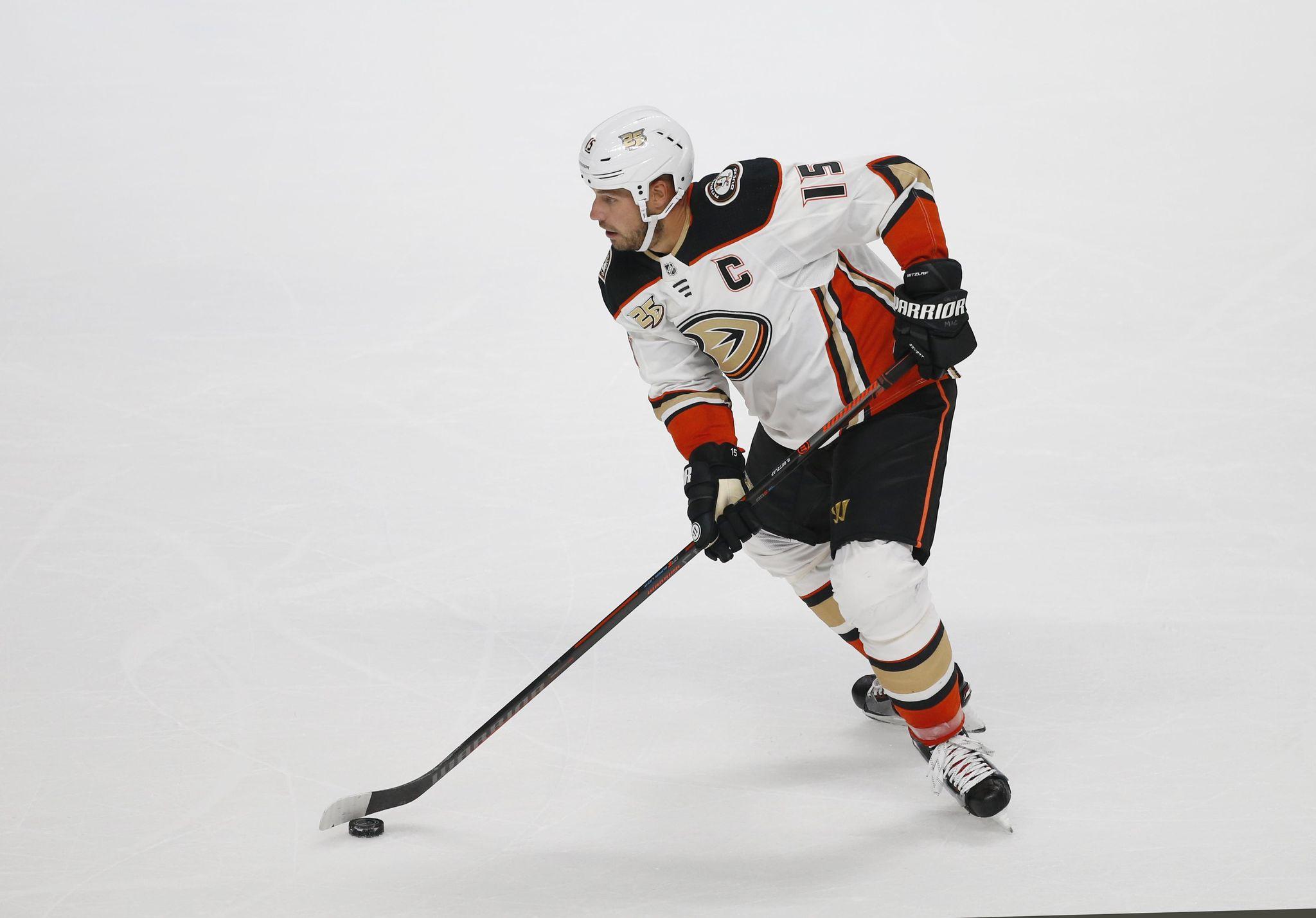 Ducks_preview_hockey_07844_s2048x1429