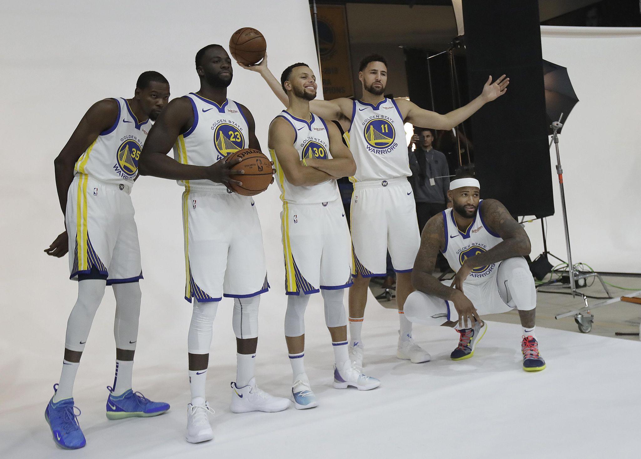 Warriors_media_day_basketball_44723_s2048x1468