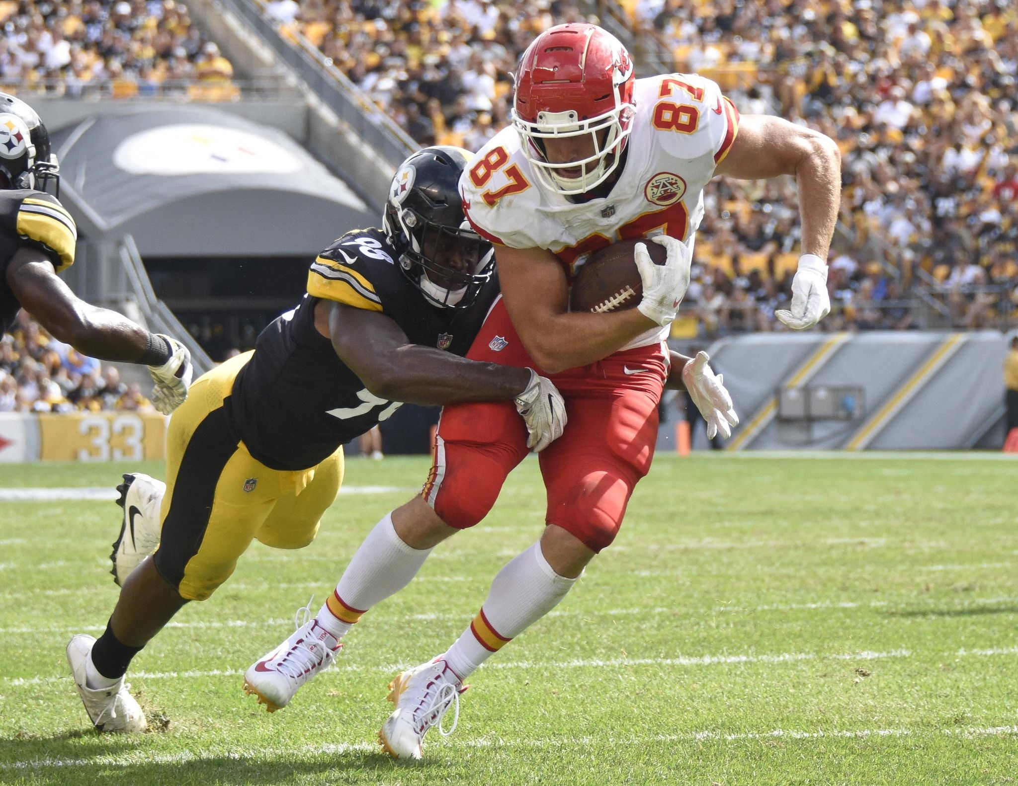 Chiefs_broncos_football_55525_s2048x1582