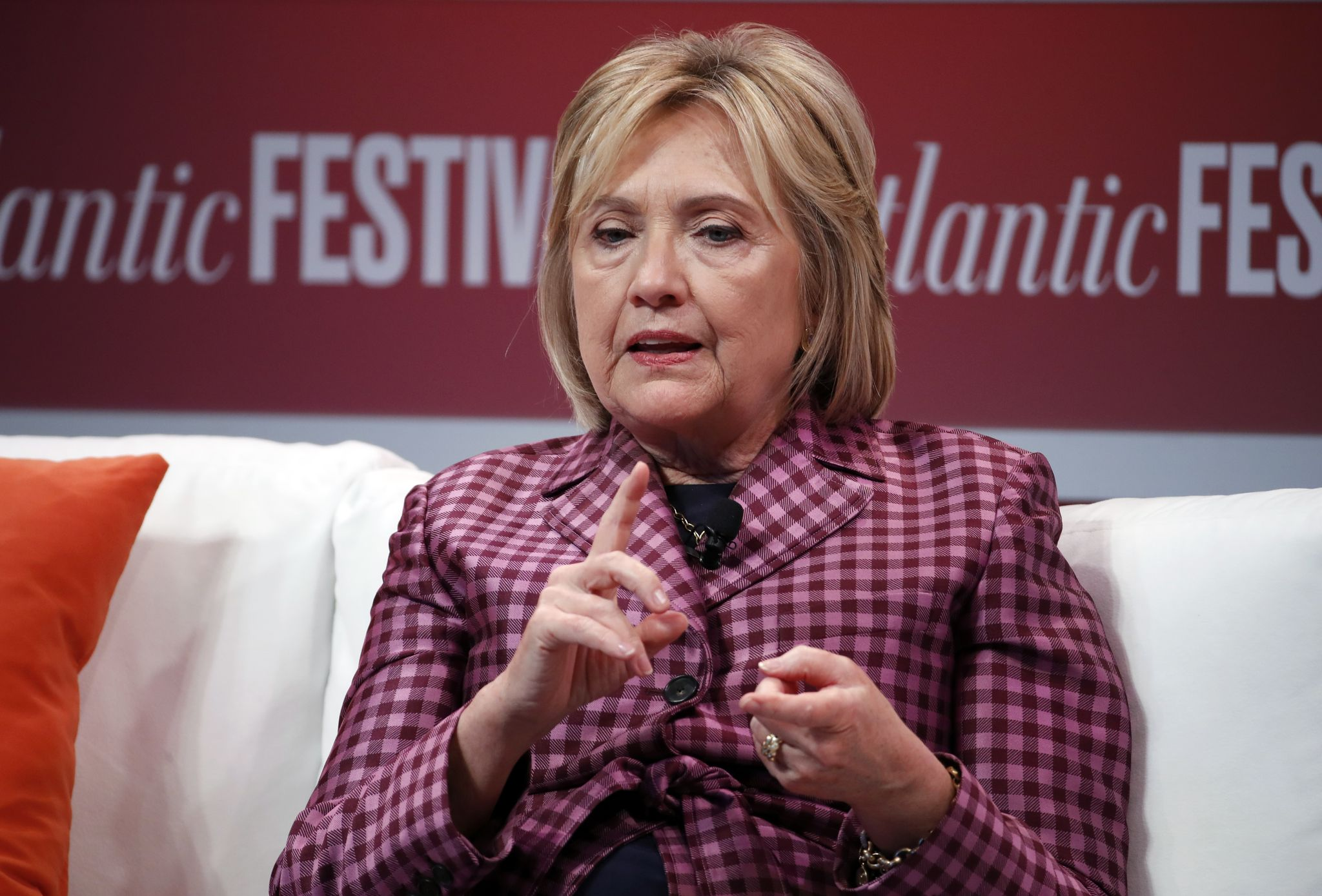 Hillary Clinton says 'civility can start again' when Democrats retake Congress after midterms