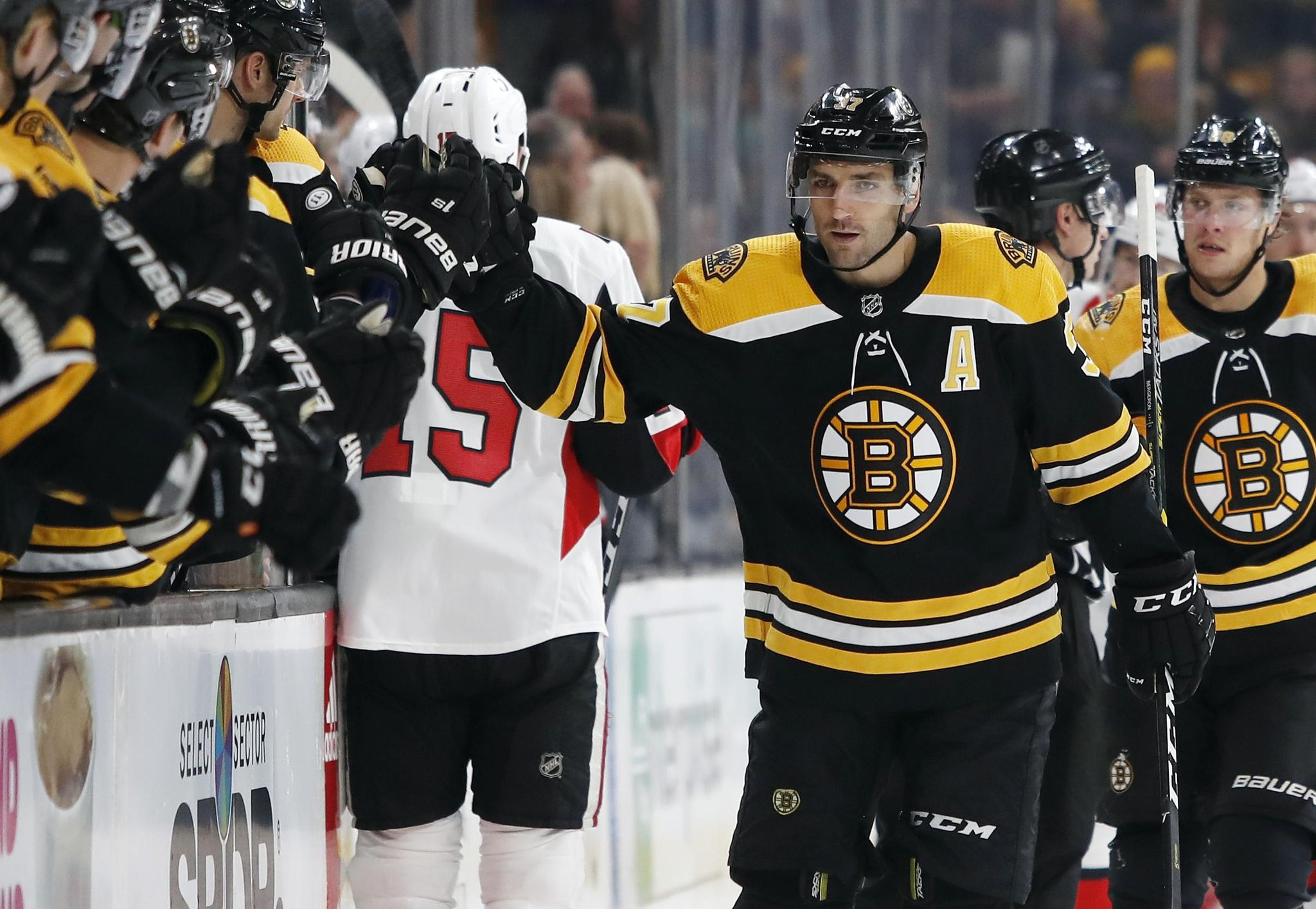 Senators_bruins_hockey_12401_s2048x1414