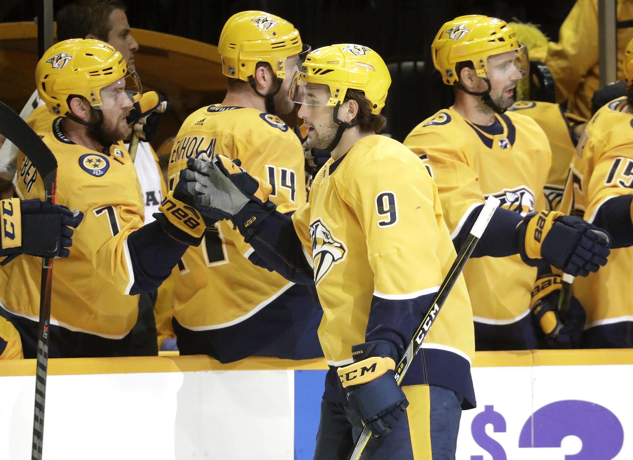 Islanders_predators_hockey_42683_s2048x1488
