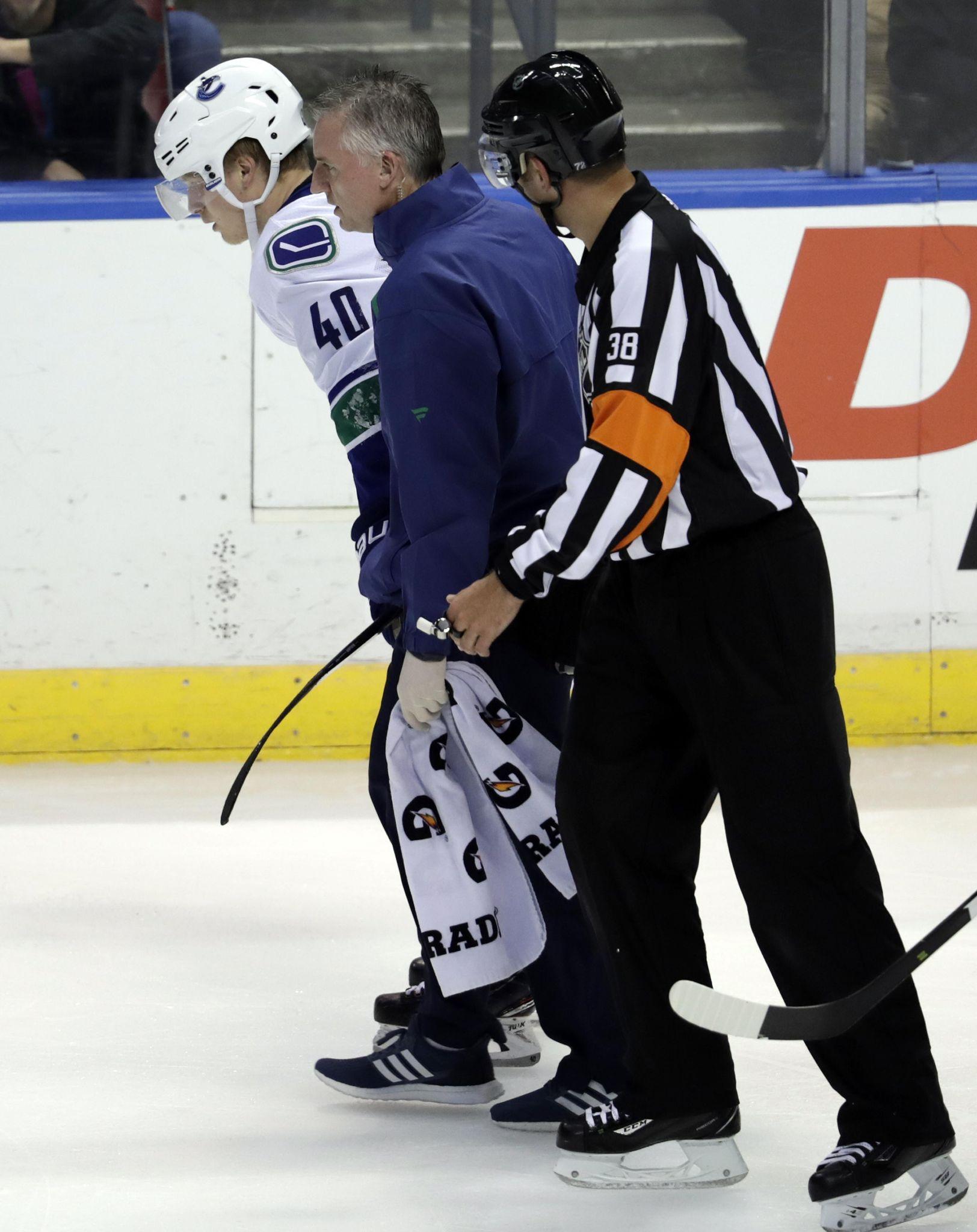 Canucks_injuries__hockey_80130_s1624x2048