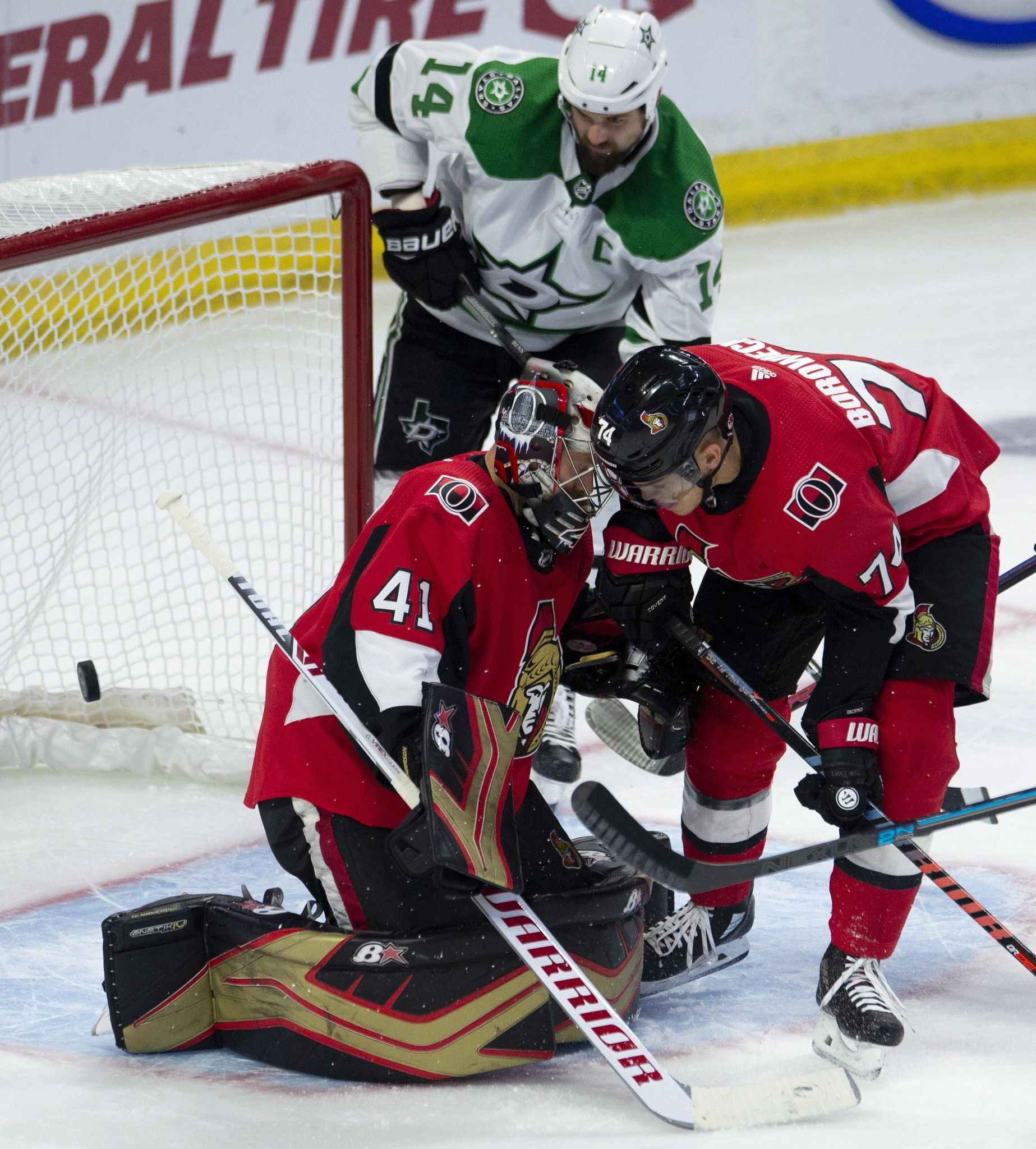 Stars_senators_hockey_74503_s1847x2048