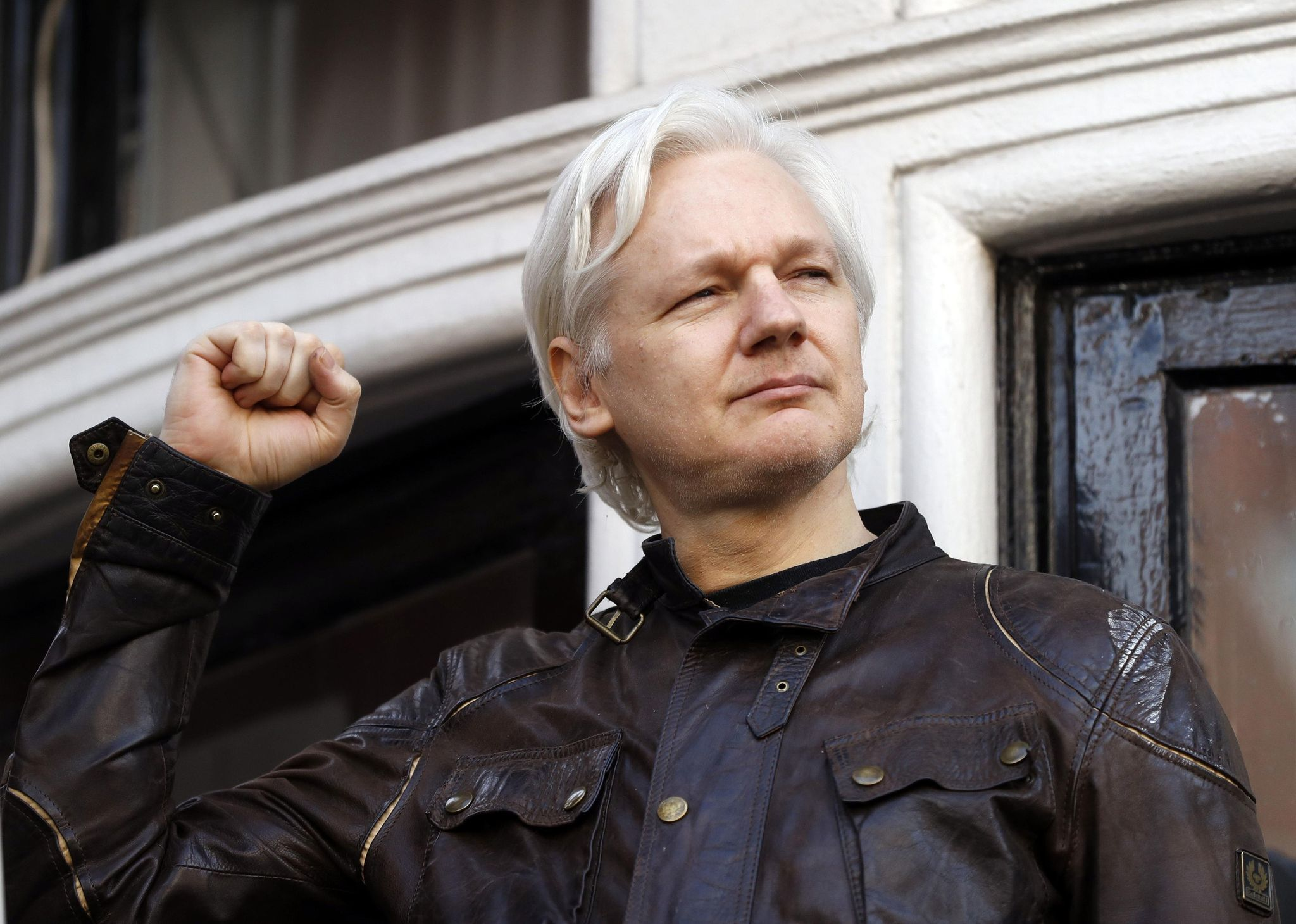 Federal prosecutor inadvertently reveals charges against WikiLeaks founder Assange