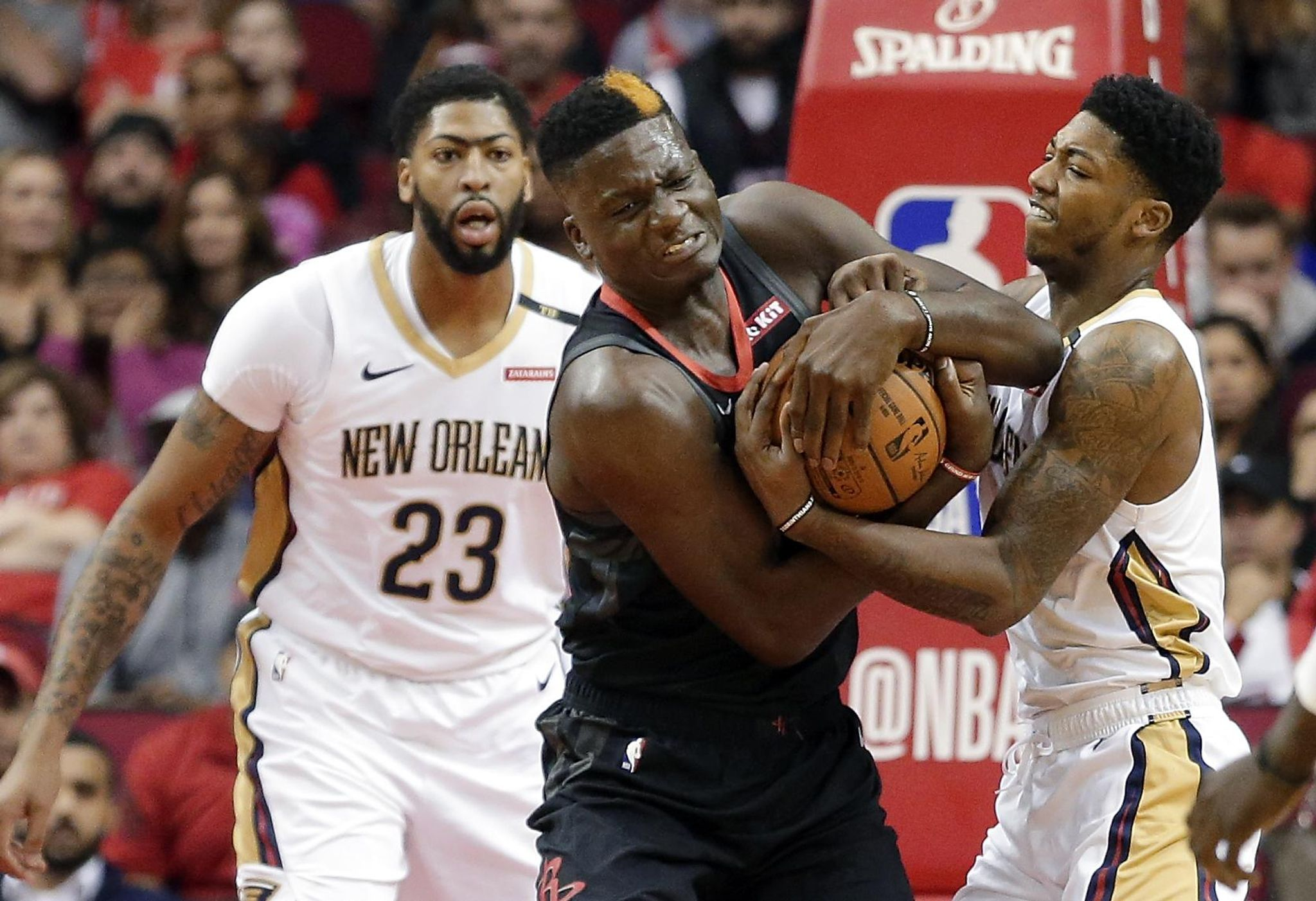 Pelicans_rockets_basketball_55902_s2048x1402