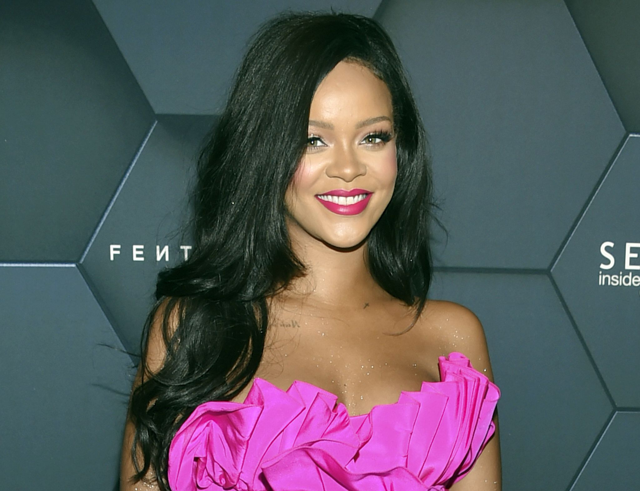 Rihanna snubs Super Bowl halftime show to support Colin Kaepernick: Report - Was...