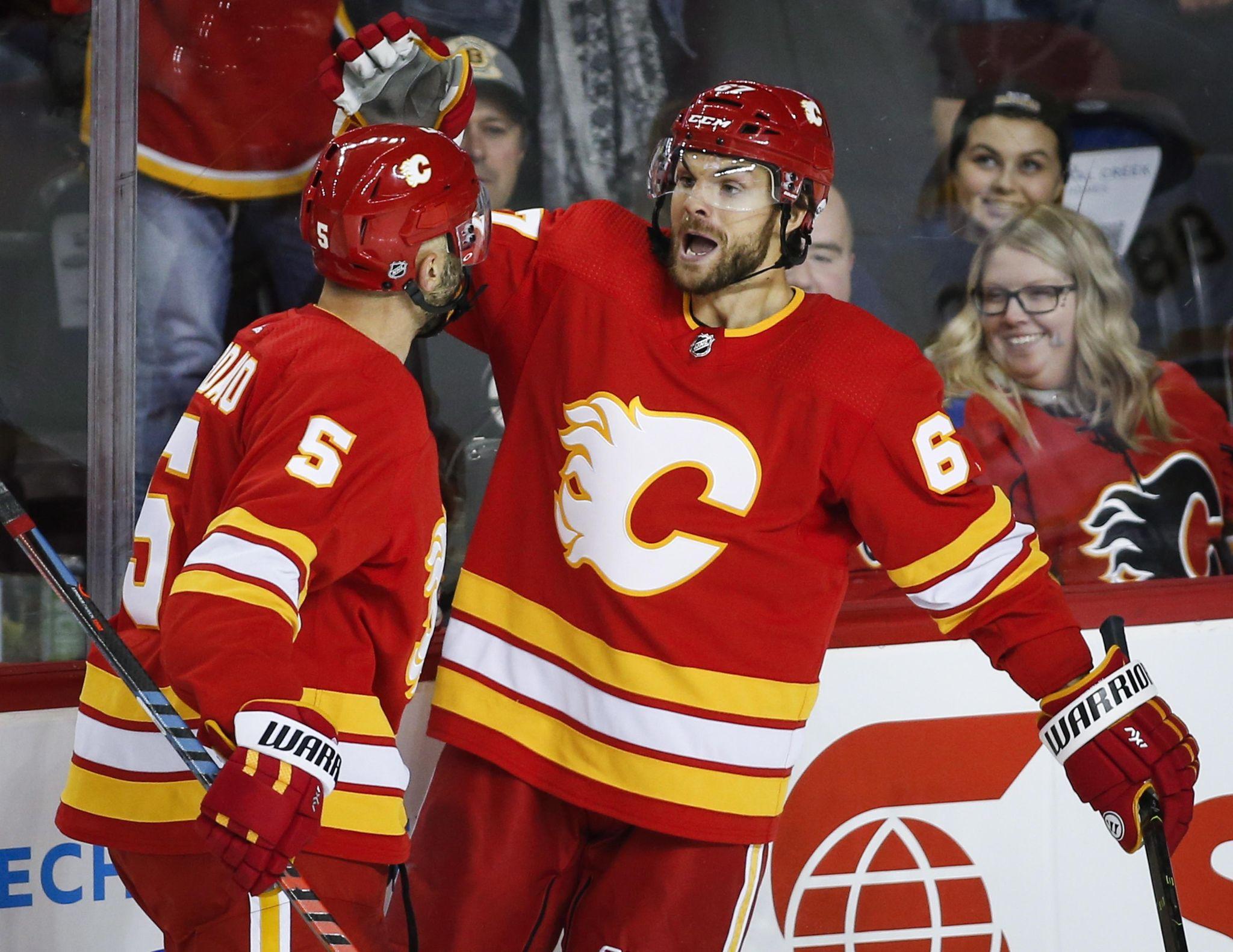 Bruins_flames_hockey_50442_s2048x1581