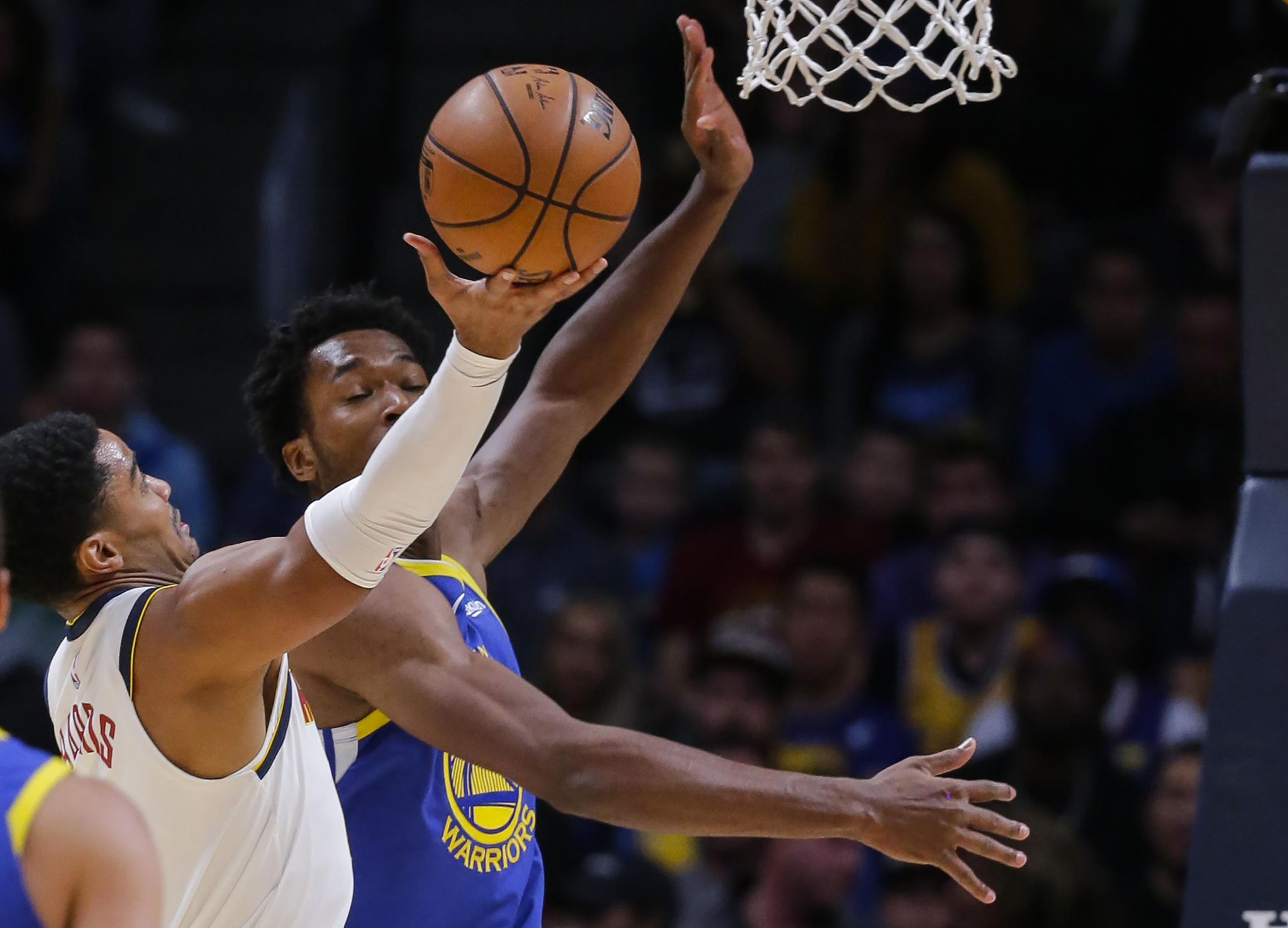Warriors_nuggets_basketball_85082_s2048x1475