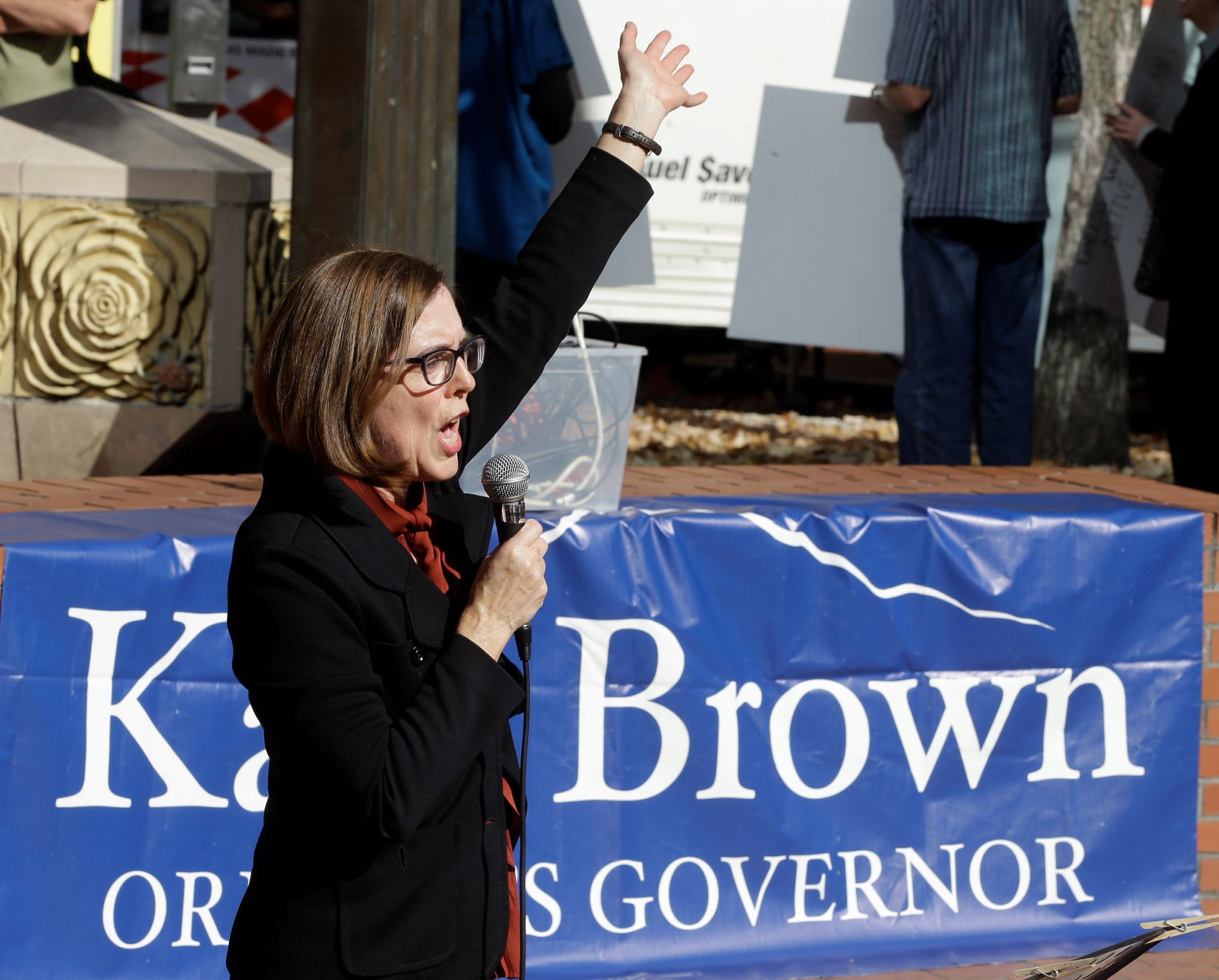 Kate Brown, Oregon governor, changes mind on Indian gambling - Washington Times