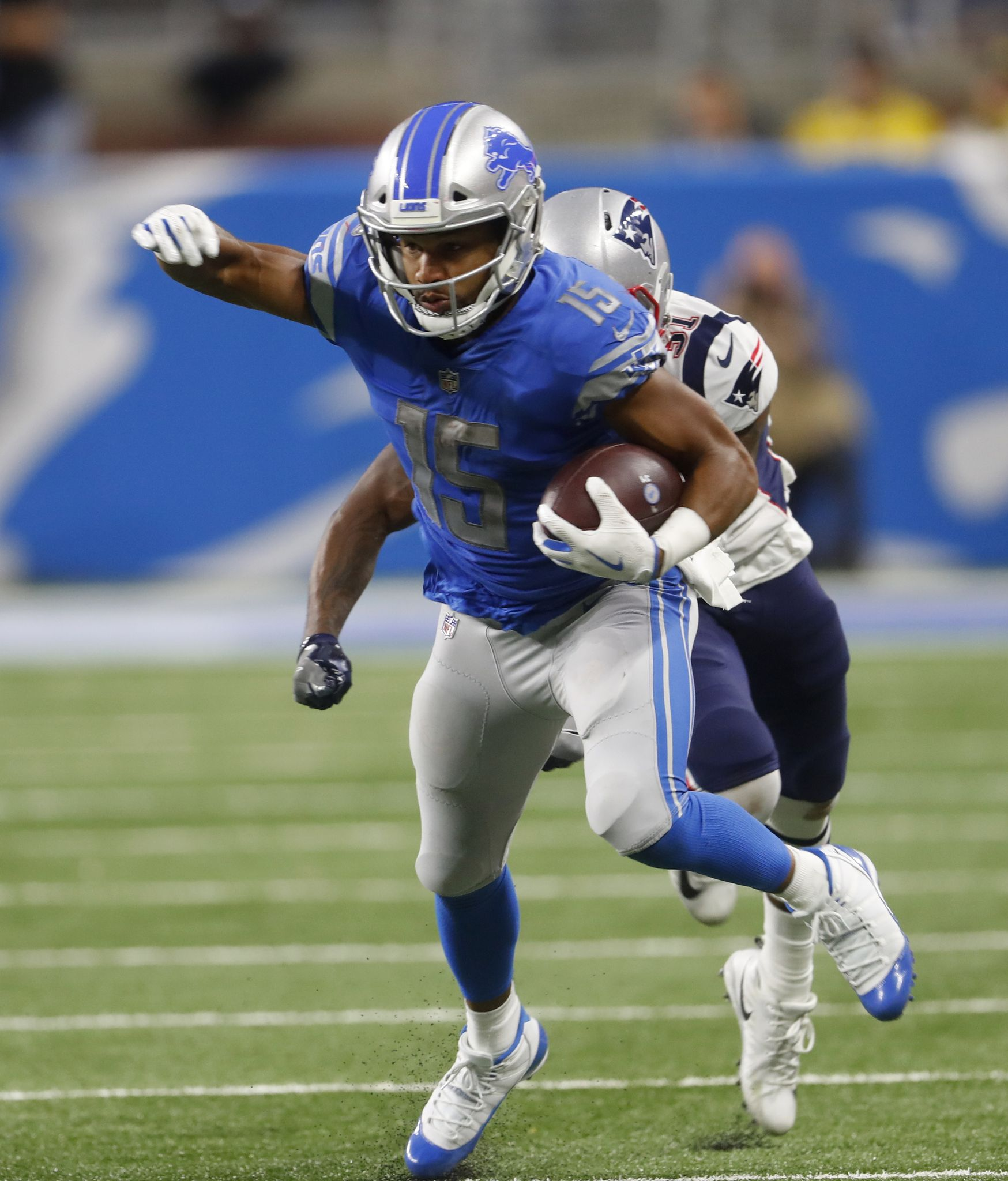 Eagles trade 3rd-round pick to Lions for Golden Tate