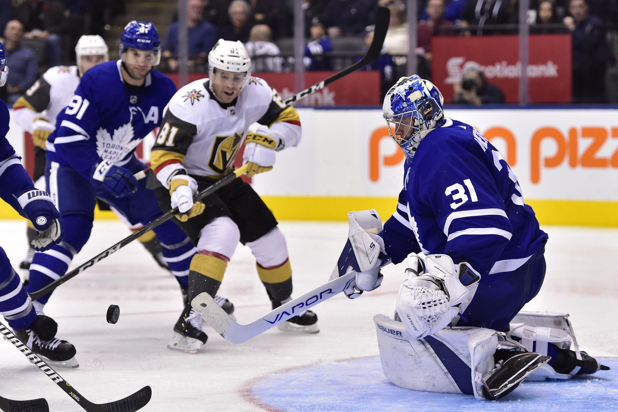 Golden_knights_maple_leafs_hockey_81774_s2048x1365