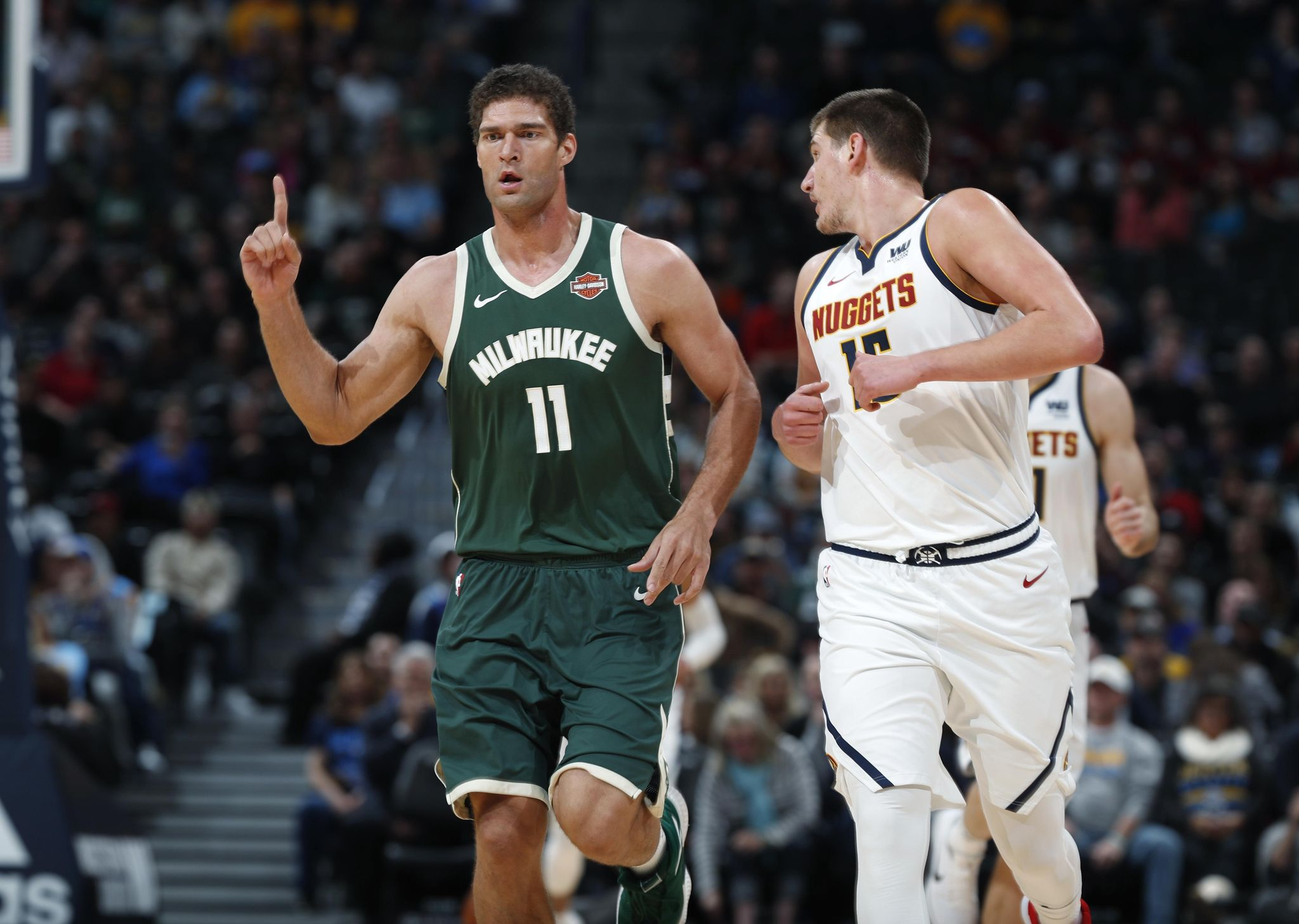 Bucks_nuggets_basketball_46918_s2048x1456