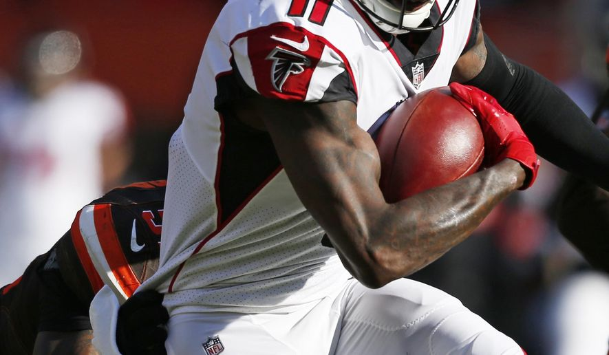 Atlanta Falcons wide receiver Julio Jones runs against the Cleveland Browns in the first half of an NFL football game, Sunday, Nov. 11, 2018, in Cleveland. (AP Photo/Ron Schwane)